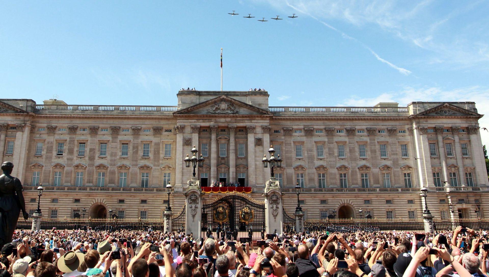 NAKON NAPADA U BERLINU: Zatvoreni pristupi Buckinghamskoj palači
