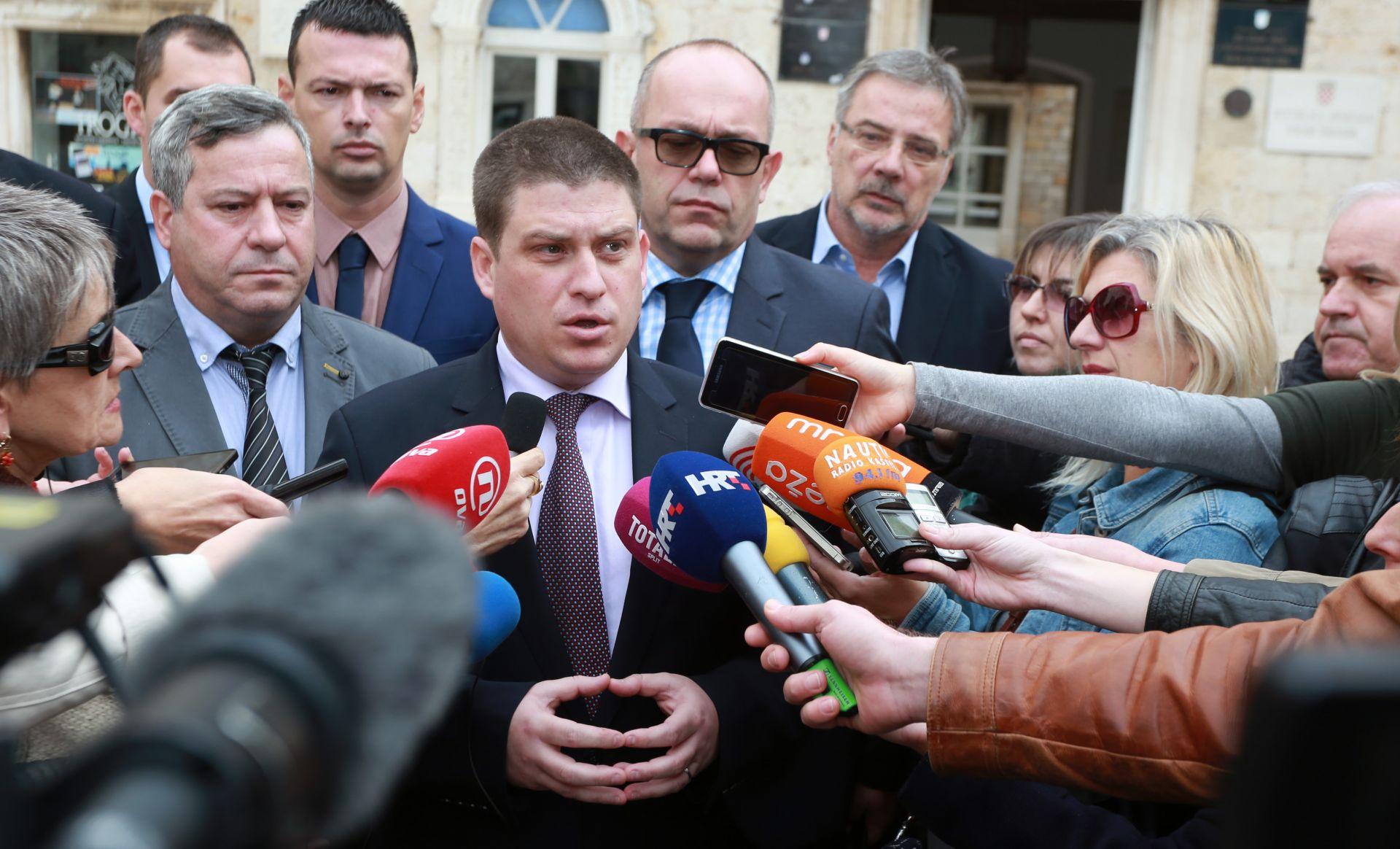 BUTKOVIĆ: 'Uber pa i Cammeo u Splitu rade nelegalno, uslijedit će kazne i oduzimanje vozila'
