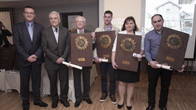 Dr. sc. Eduard Kušen s nekima od nagrađenih
