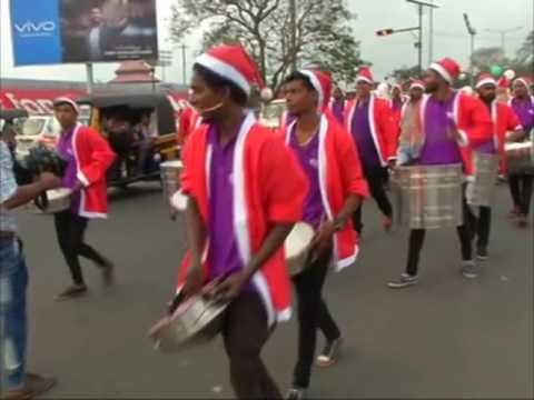 VIDEO: Parada Djeda Mrazova u južnoj Indiji