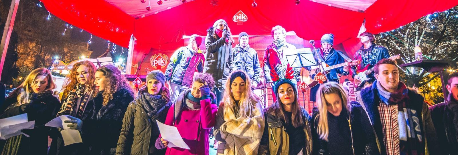 Poznati mladi pjevači okupili ljude dobre volje na Adventu 'Kod Rudolfa'