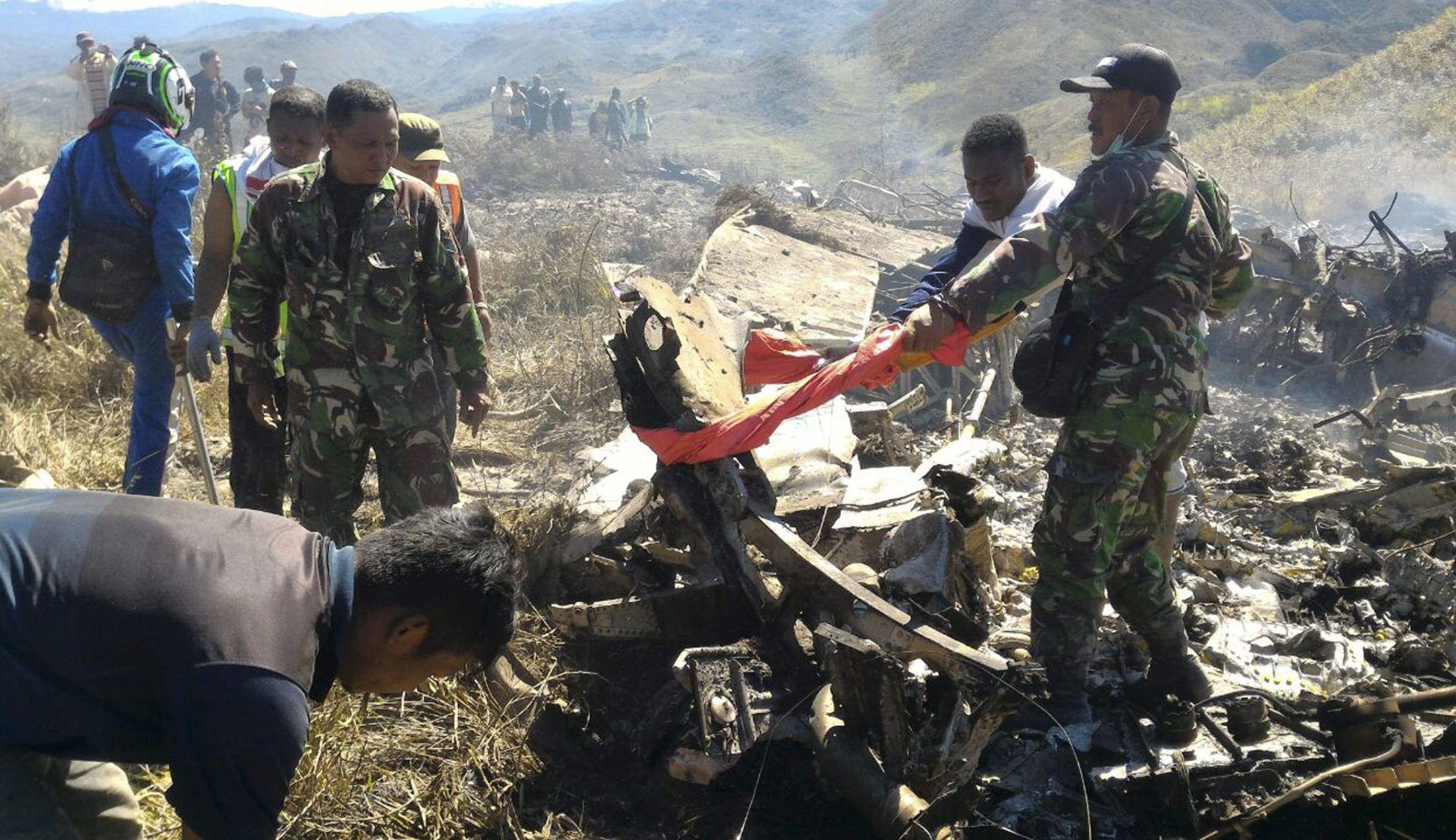 NOVA NESREĆA U VOJSCI: Pao indonezijski vojni zrakoplov, 13 poginulih