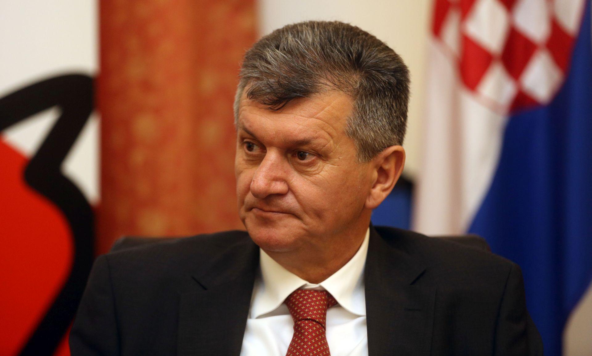 MINISTAR KUJUNDŽIĆ: Liječnike zadržati u Hrvatskoj lakšim razvojem karijere