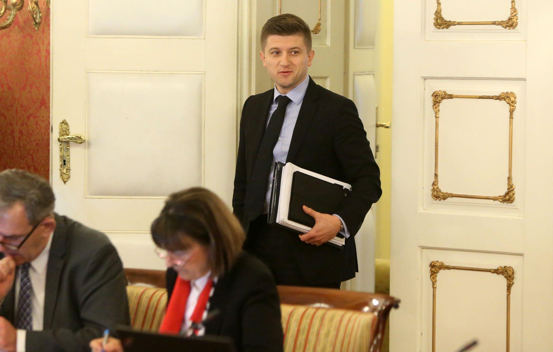 MINISTAR MARIĆ: Do novca za božićnice preraspodjelom unutar ovogodišnjeg proračuna