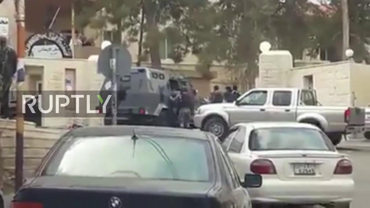 VIDEO: JORDAN Broj poginulih povećao se na 10, napadači se zabarikadirali u drevni dvorac