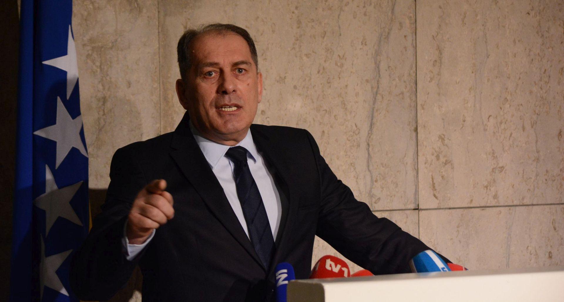 """MEKTIĆ """"Hrvatska prešla na ilegalne radnje, bit ćemo prinuđeni reagirati po cijenu konflikta"""""""