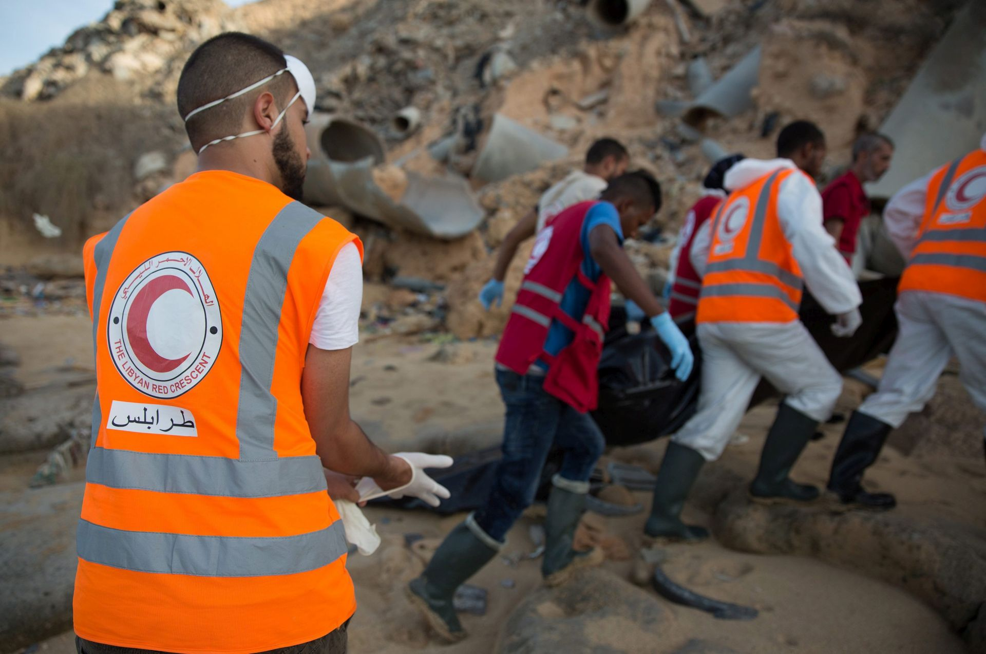 TRAGIČNO PUTOVANJE: More kod Tripolija izbacilo tijela 11 migranata