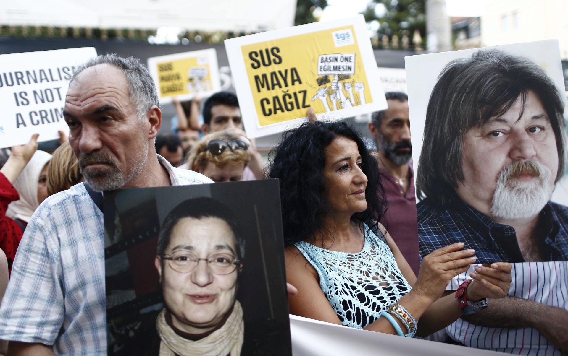 REPORTERI BEZ GRANICA: U 2016. manje ubijenih novinara, velik broj stradao u Siriji