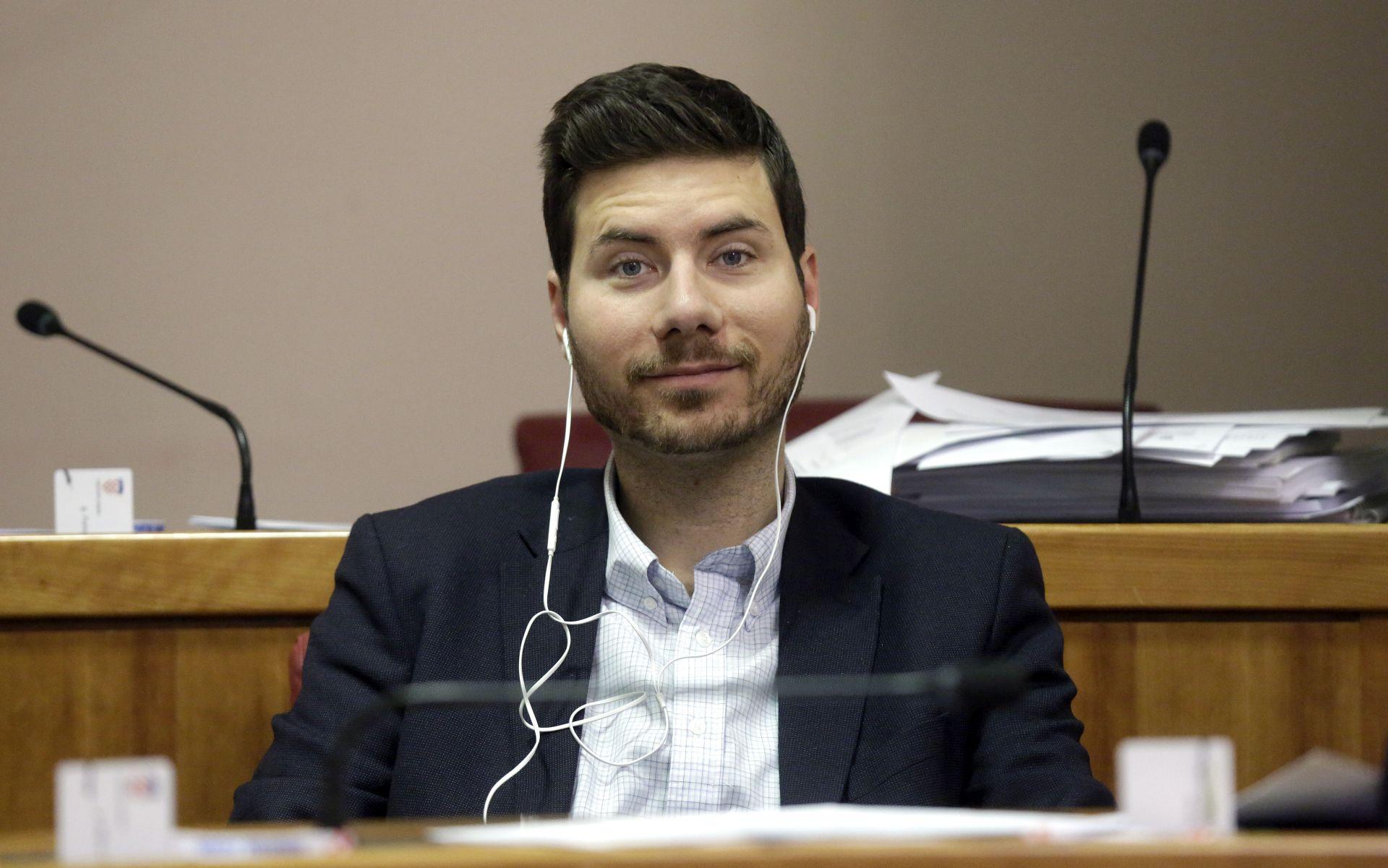 Pernar u Saboru zatražio ukidanje državne mature