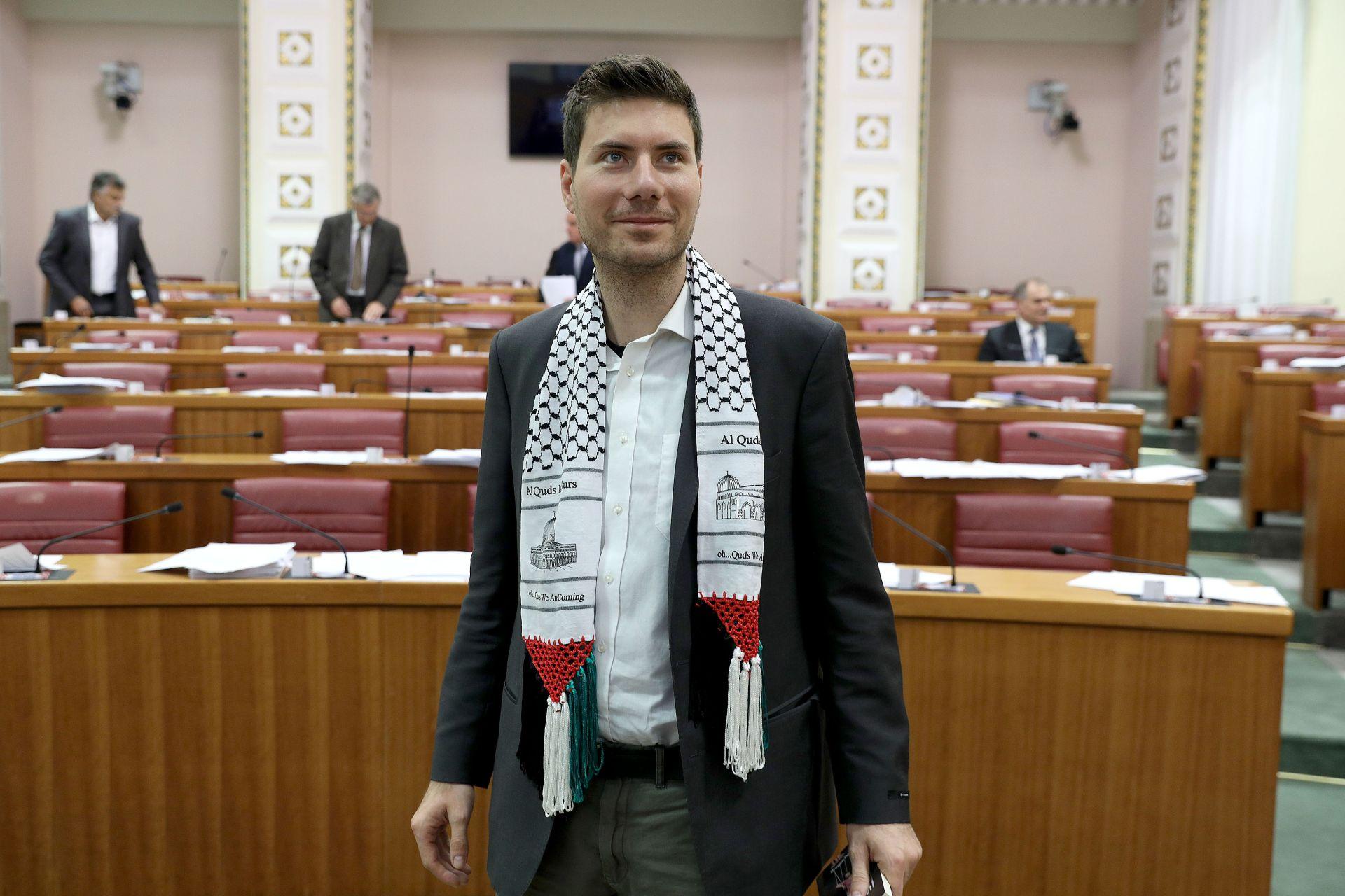 Pernar objasnio zašto je tražio 800 kuna na dolazak na party u Primoštenu
