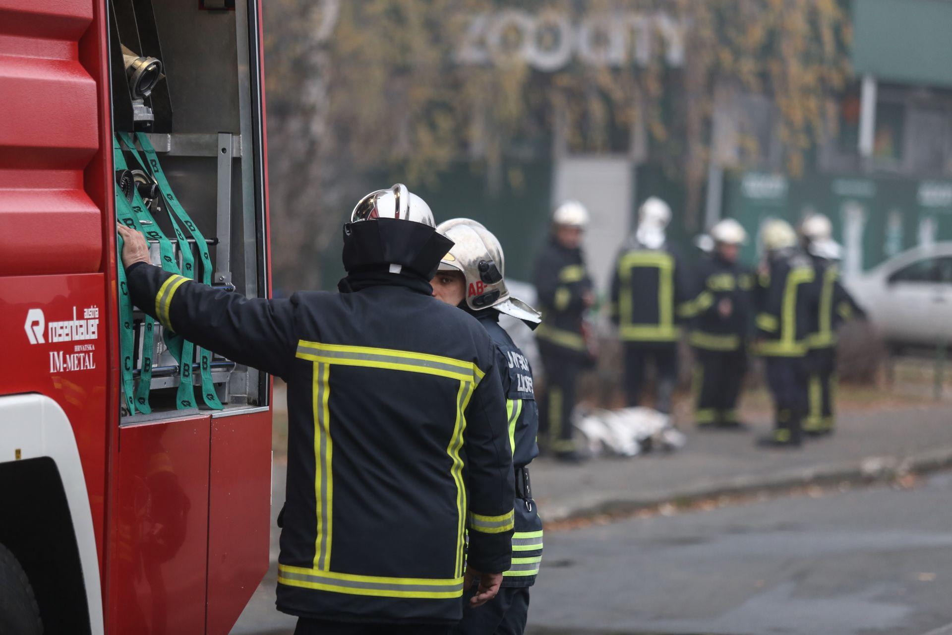 POŽAR U NOVOM ZAGREBU: Tri osobe ozlijeđene, policija traga za sumnjivcima