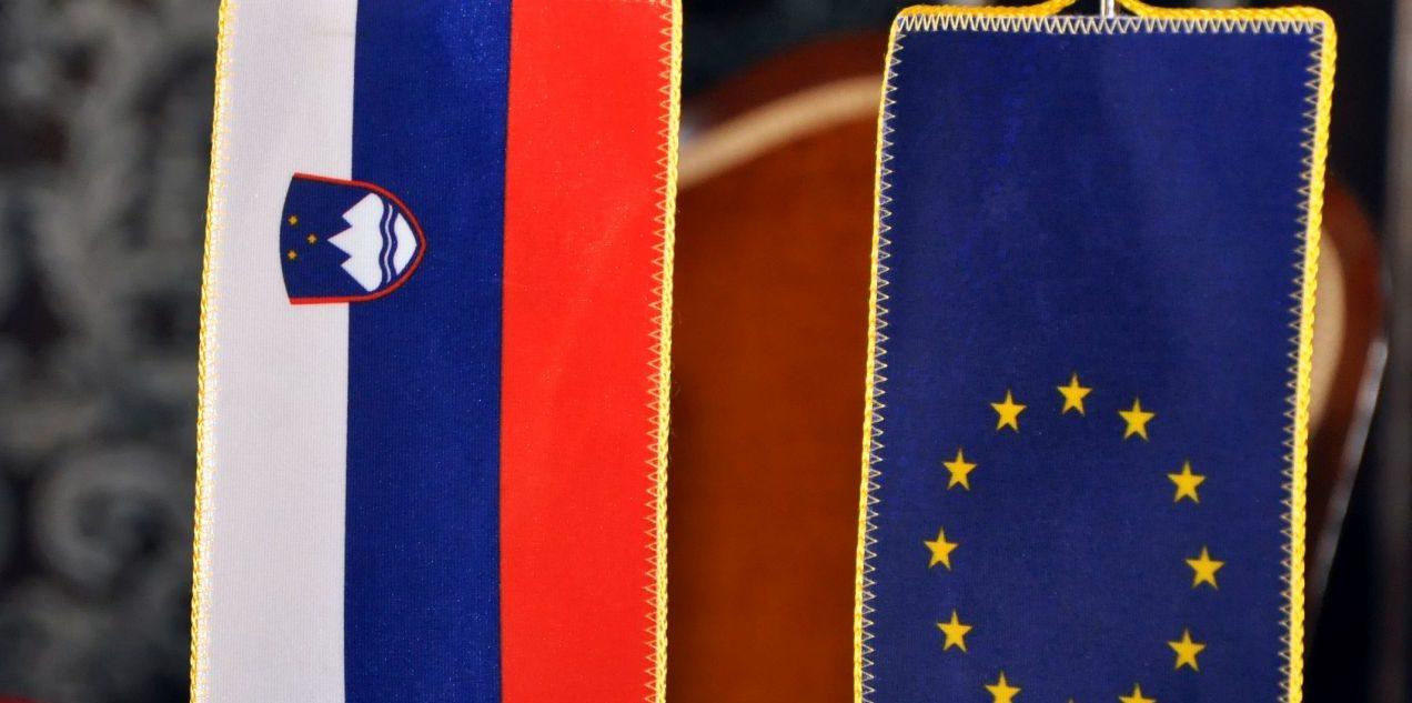 SLOVENSKI TISAK Nakon arbitražne odluke Cerarova vlada neće pristati na nove razgovore