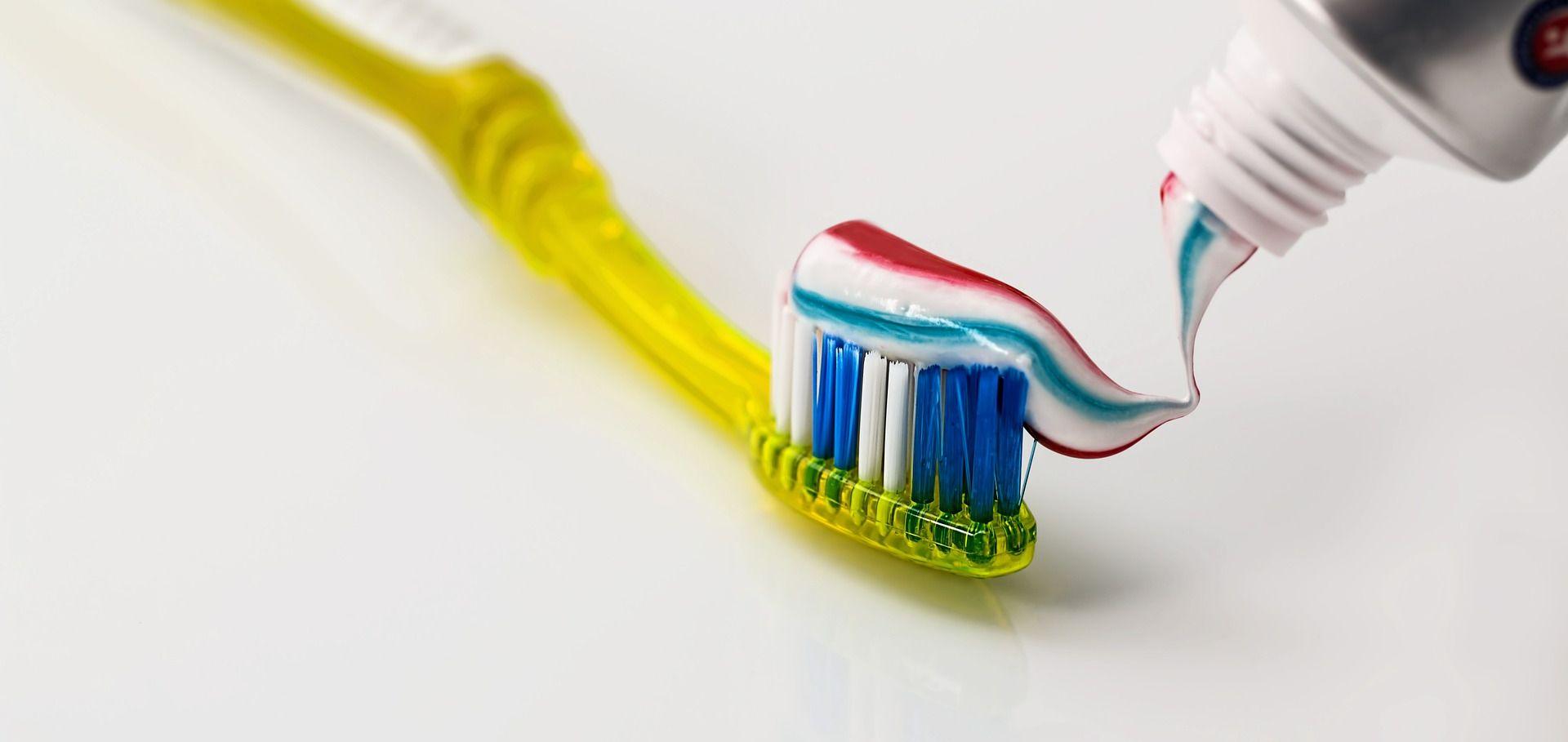 STJECANJE NAVIKA Neka bebe gledaju kako perete zube