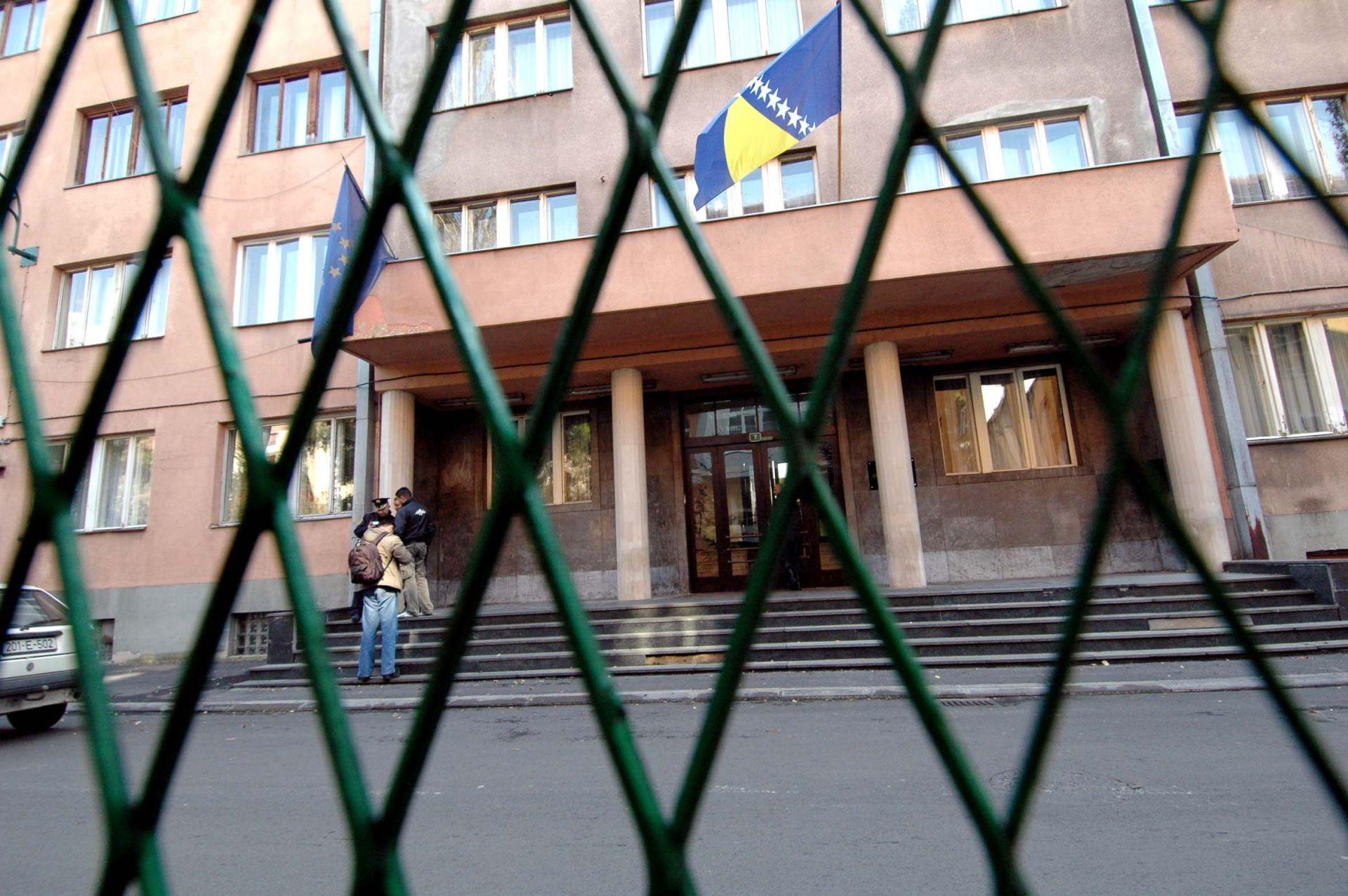 OSUMNJIČENA ZA PRIJEVARU: Uhićena potpredsjednica parlamenta FBiH