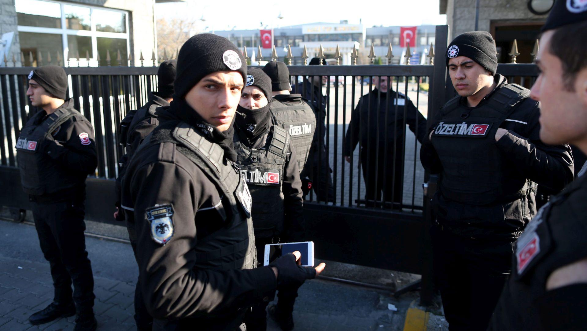 TURSKA Uhićeno više od 1000 ljudi, sumnja u pripadnost IS-u i pobunjenicima