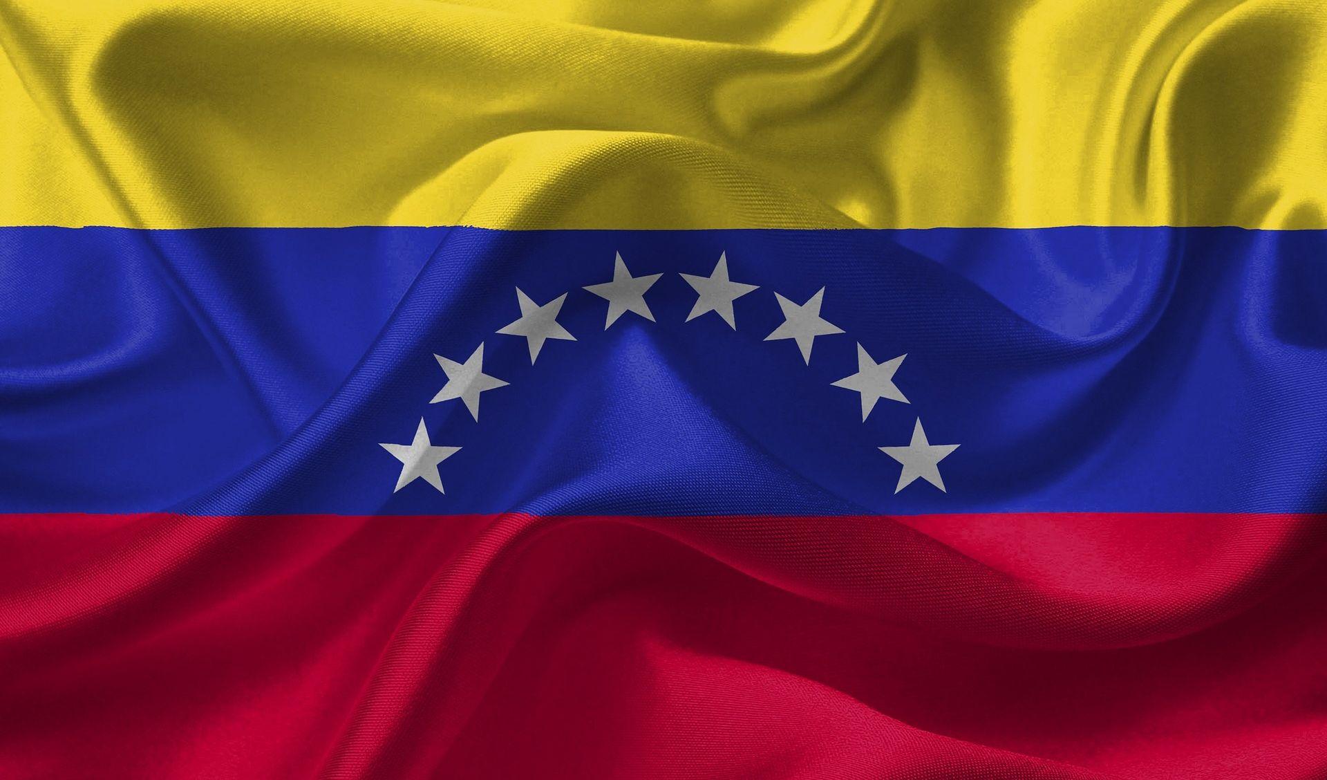 VENEZUELA Maduro zasut jajima i kamenjem