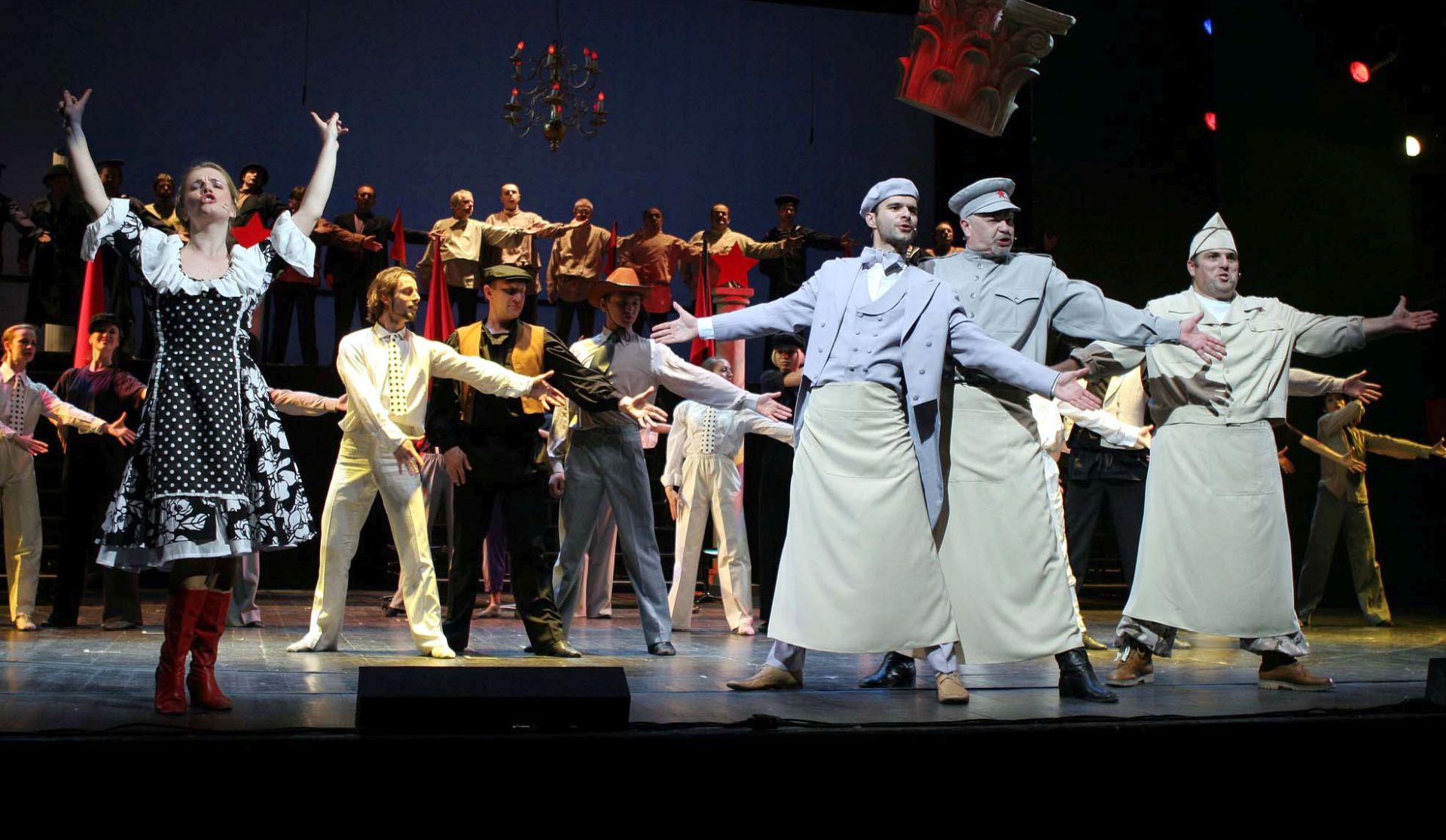 Komedija obilježava 200. izvedbu najnovije produkcije mjuzikla 'Jalta, Jalta'
