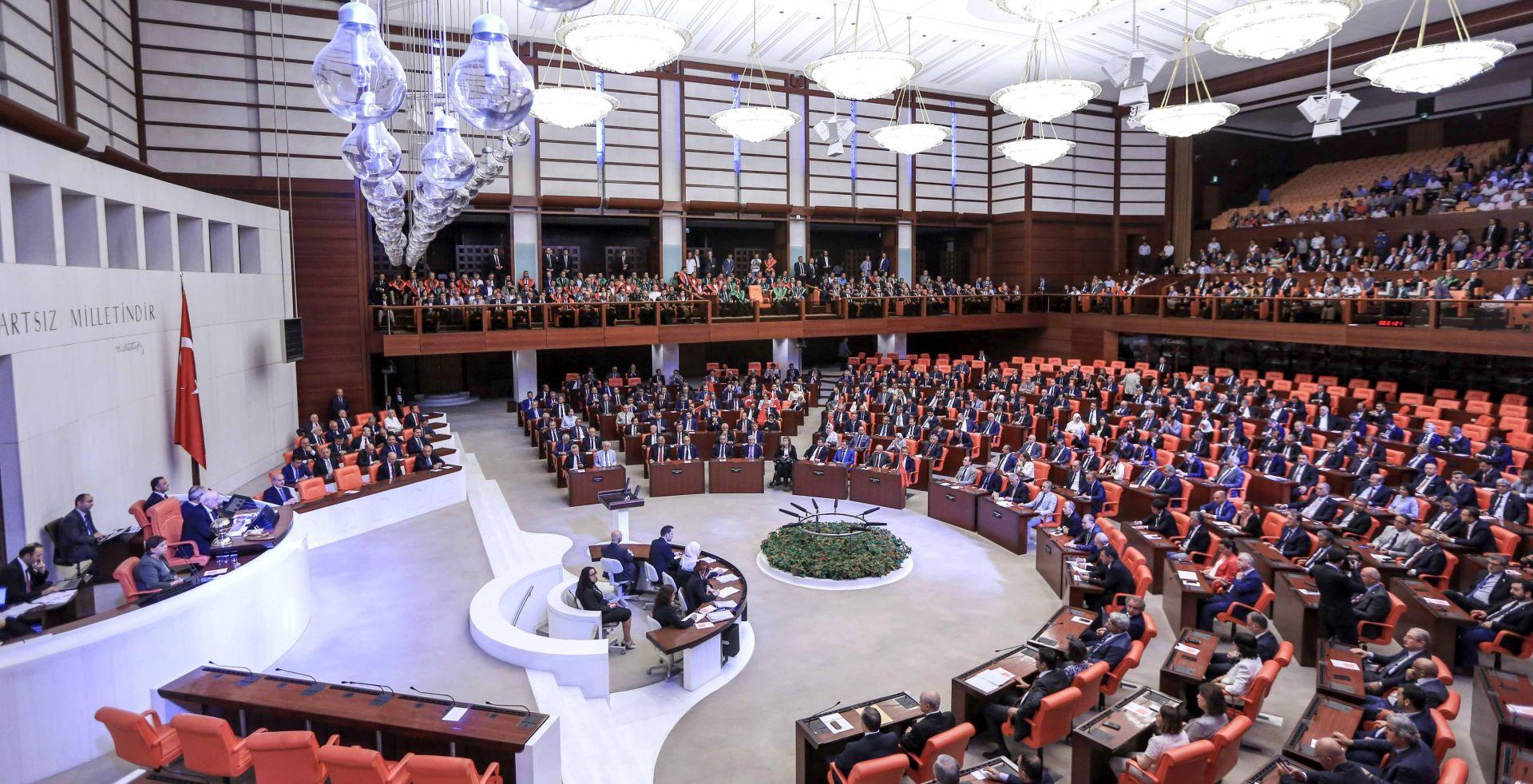 Turski parlament počinje raspravu o uvođenju predsjedničkog sustava