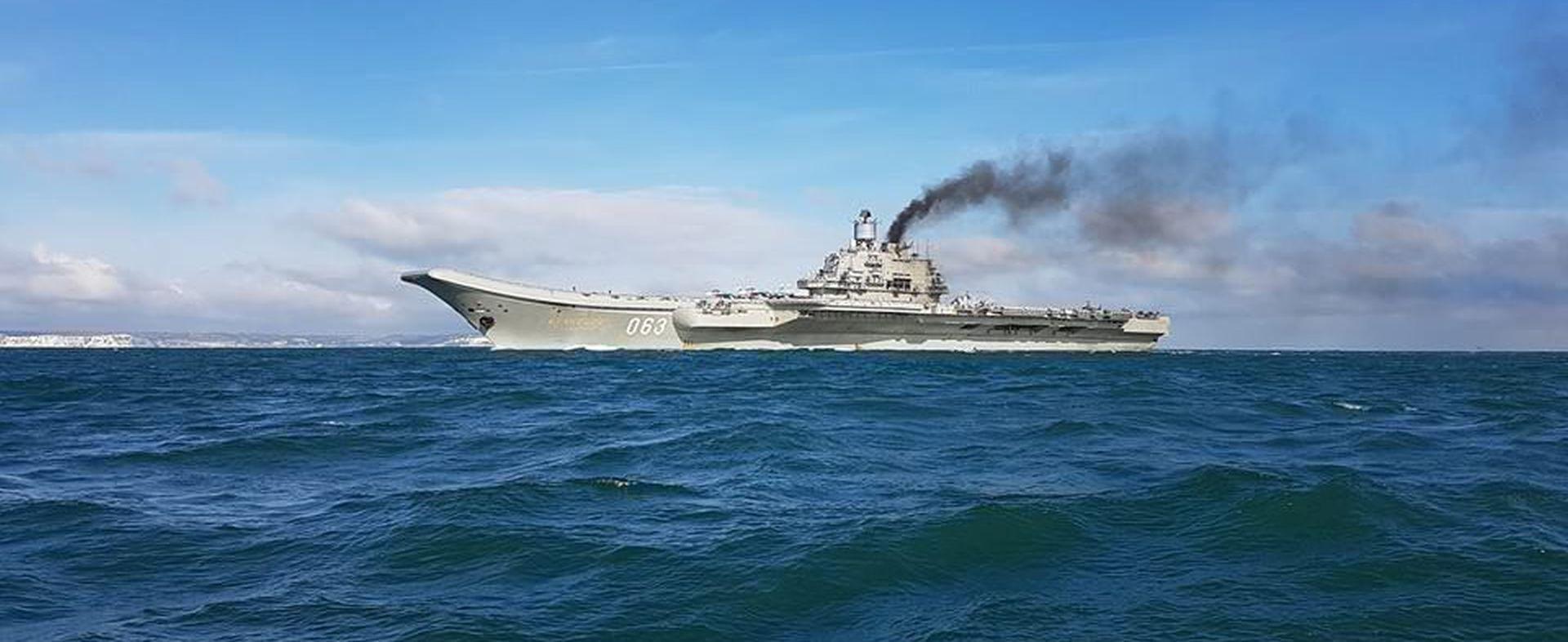 Libijski ratni vođa posjetio ruski nosač zrakoplova Admiral Kuznjecov
