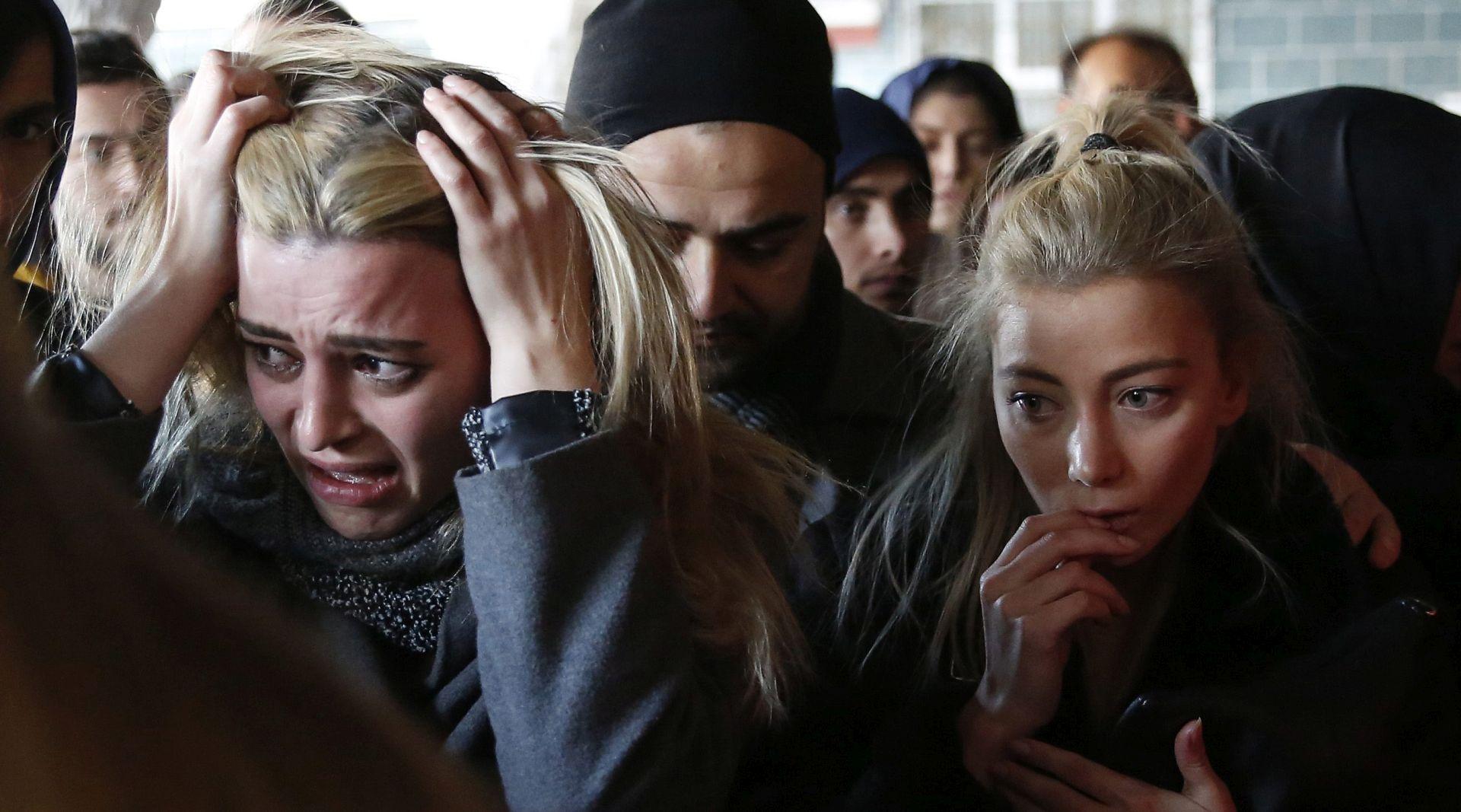 Turski parlament odobrio produljenje izvanrednog stanja