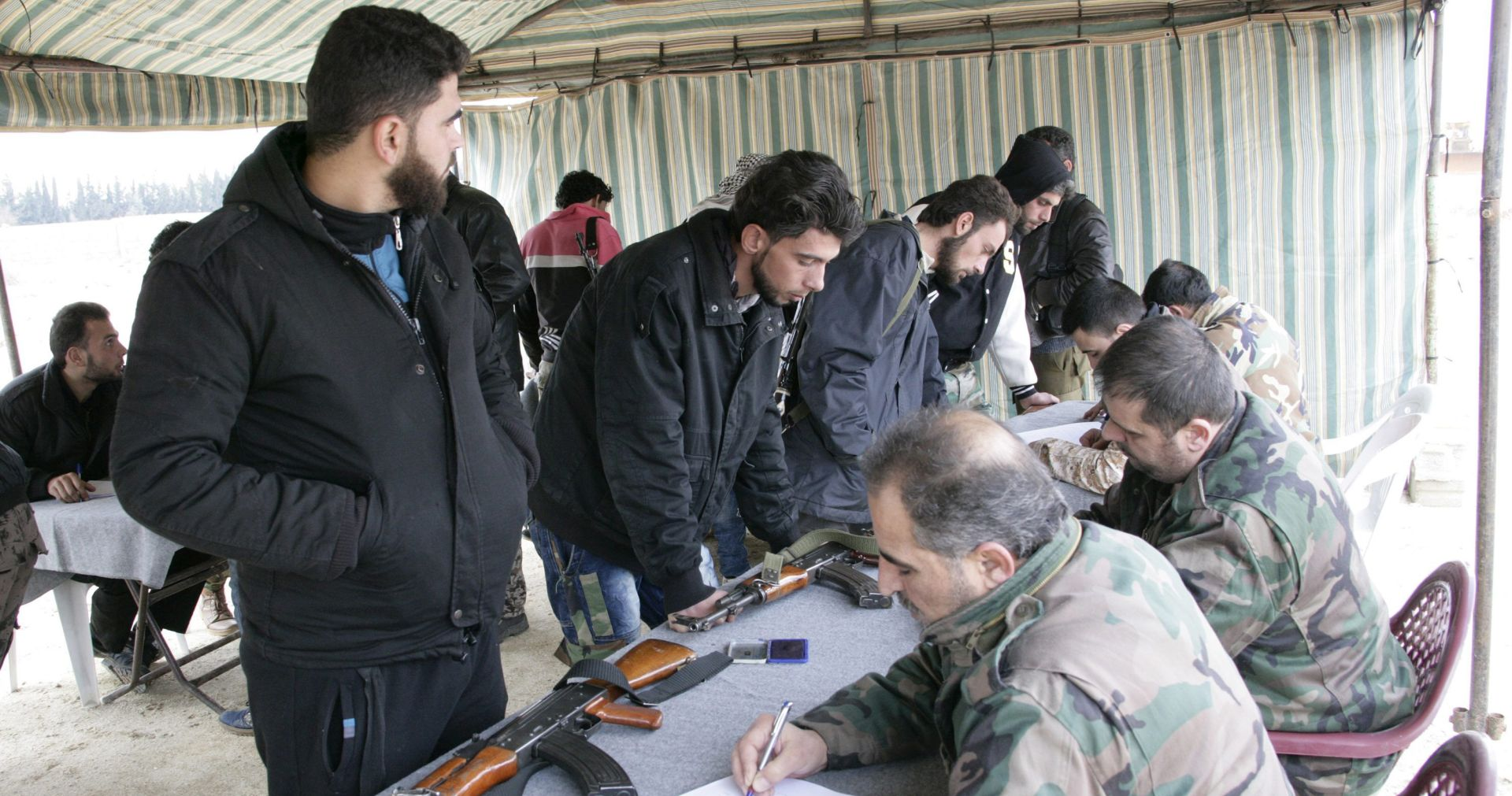 Najmanje 43 mrtvih u napadu na sirijski pogranički grad