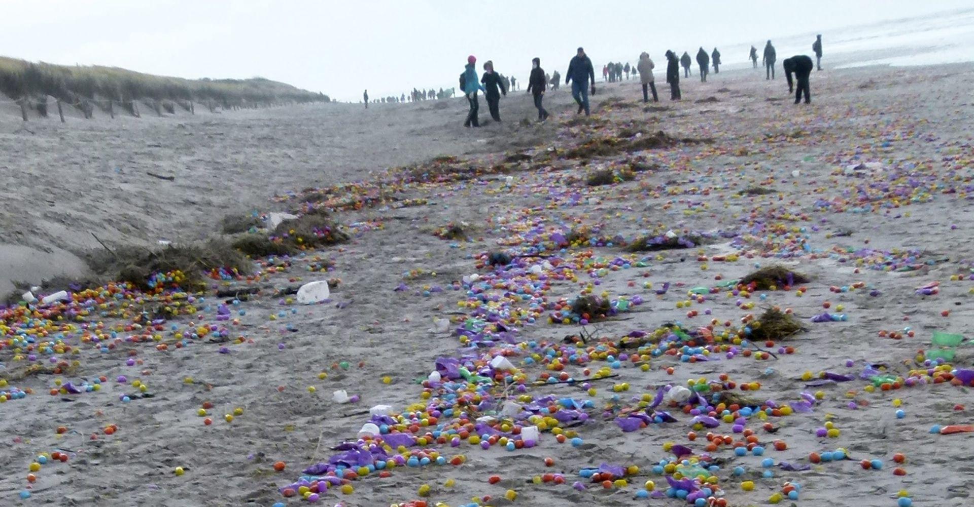 VELIKA OLUJA U NJEMAČKOJ More izbacilo tisuće kinder jaja