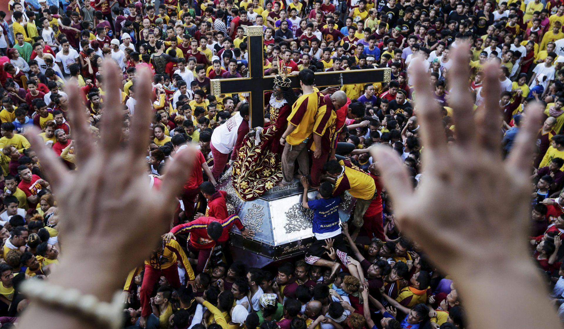 FILIPINI Milijuni vjernika na procesiji u čast Crnog Isusa
