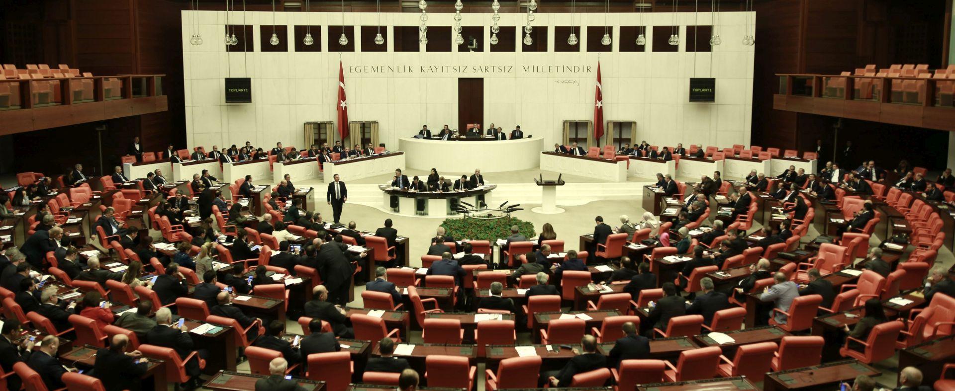 Turski parlament počeo raspravu o jačanju ovlasti predsjednika Erdogana