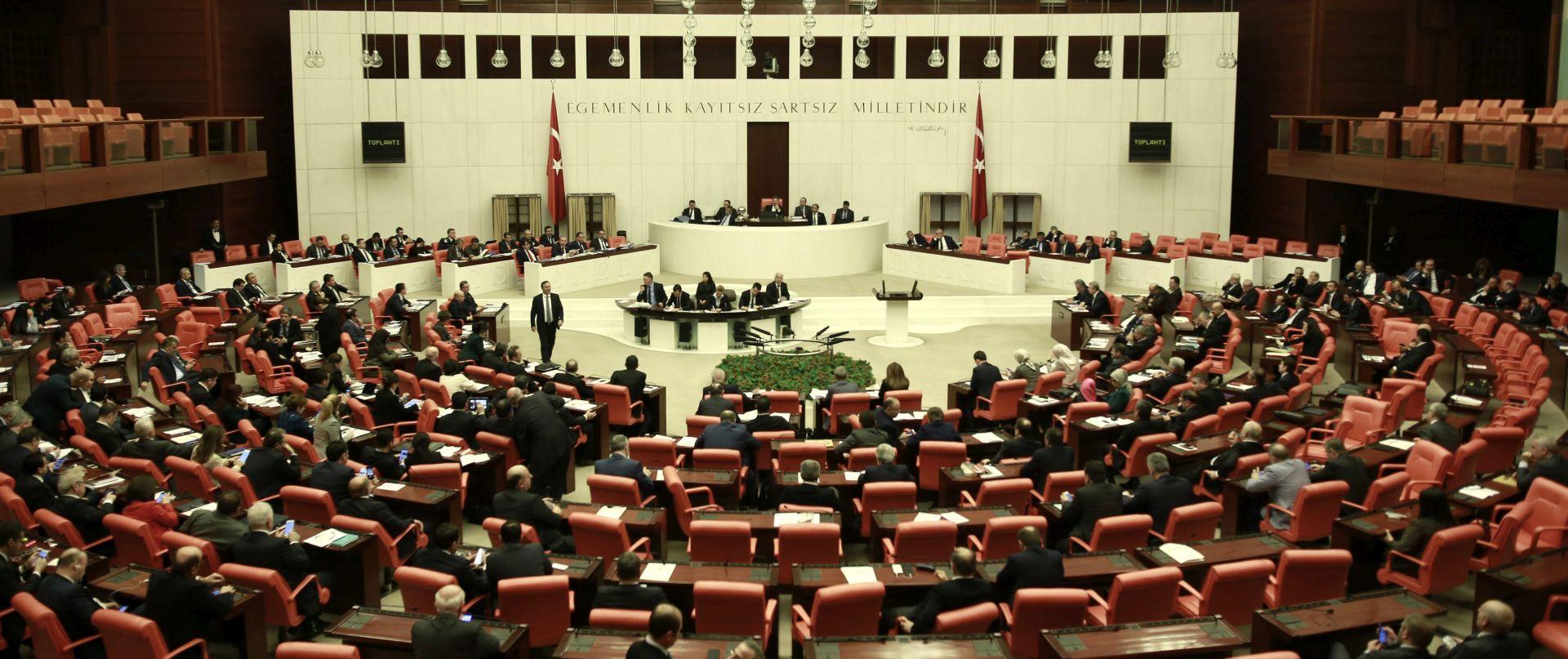Turski parlament odobrio širenje Erdoganovih ovlasti