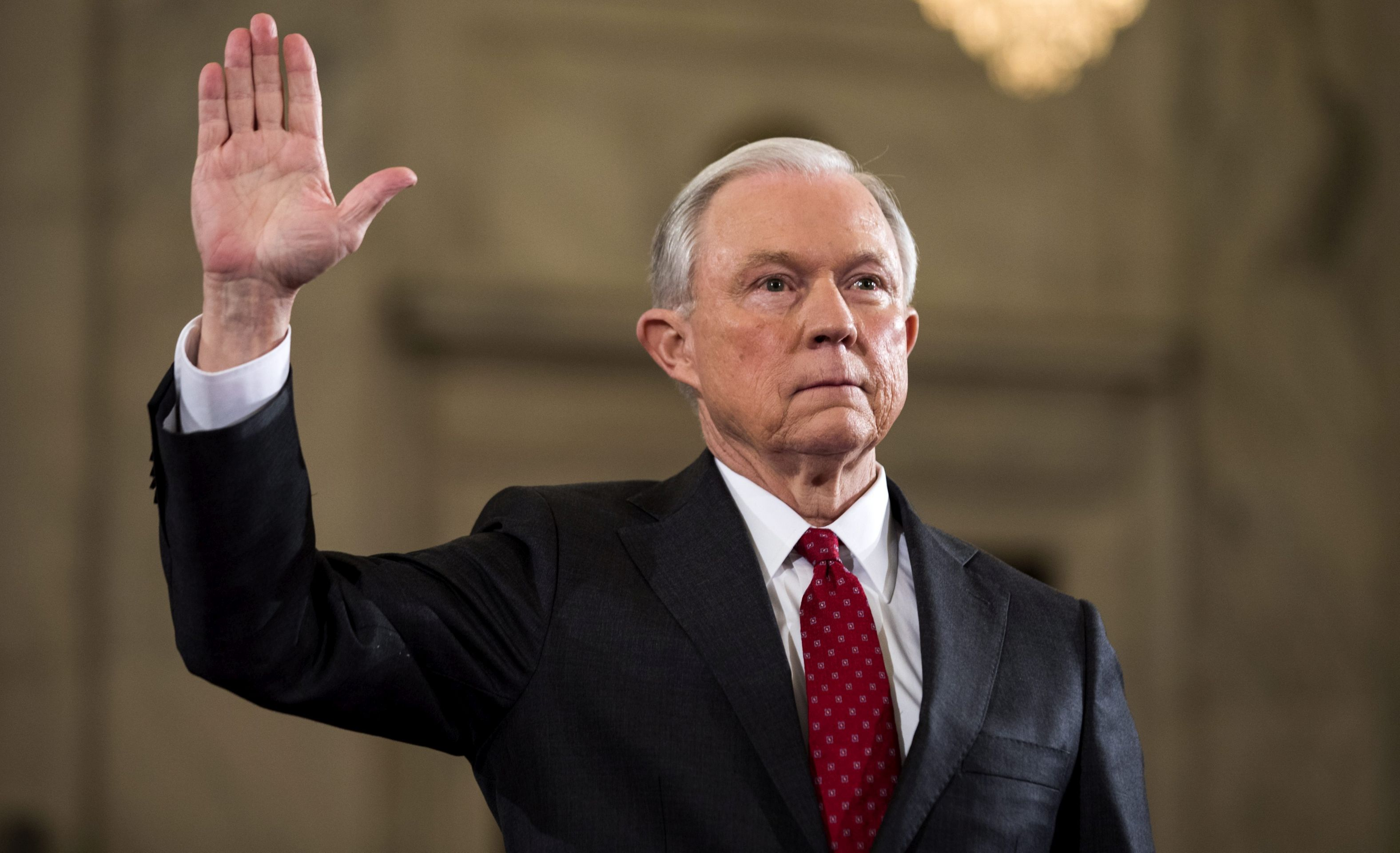Sessions za posebnog tužitelja za istragu e-mailova Hillary Clinton
