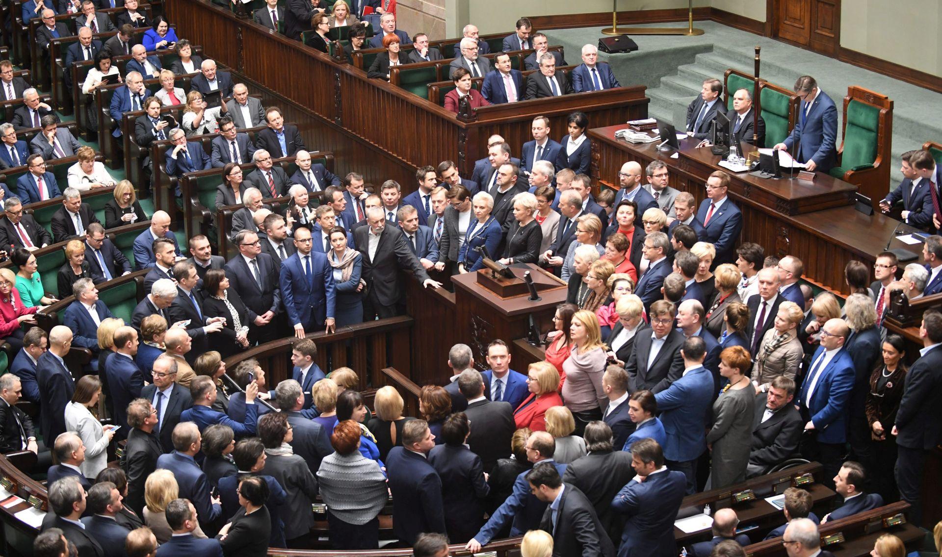 Nastavlja se politička kriza u Poljskoj, parlament još paraliziran