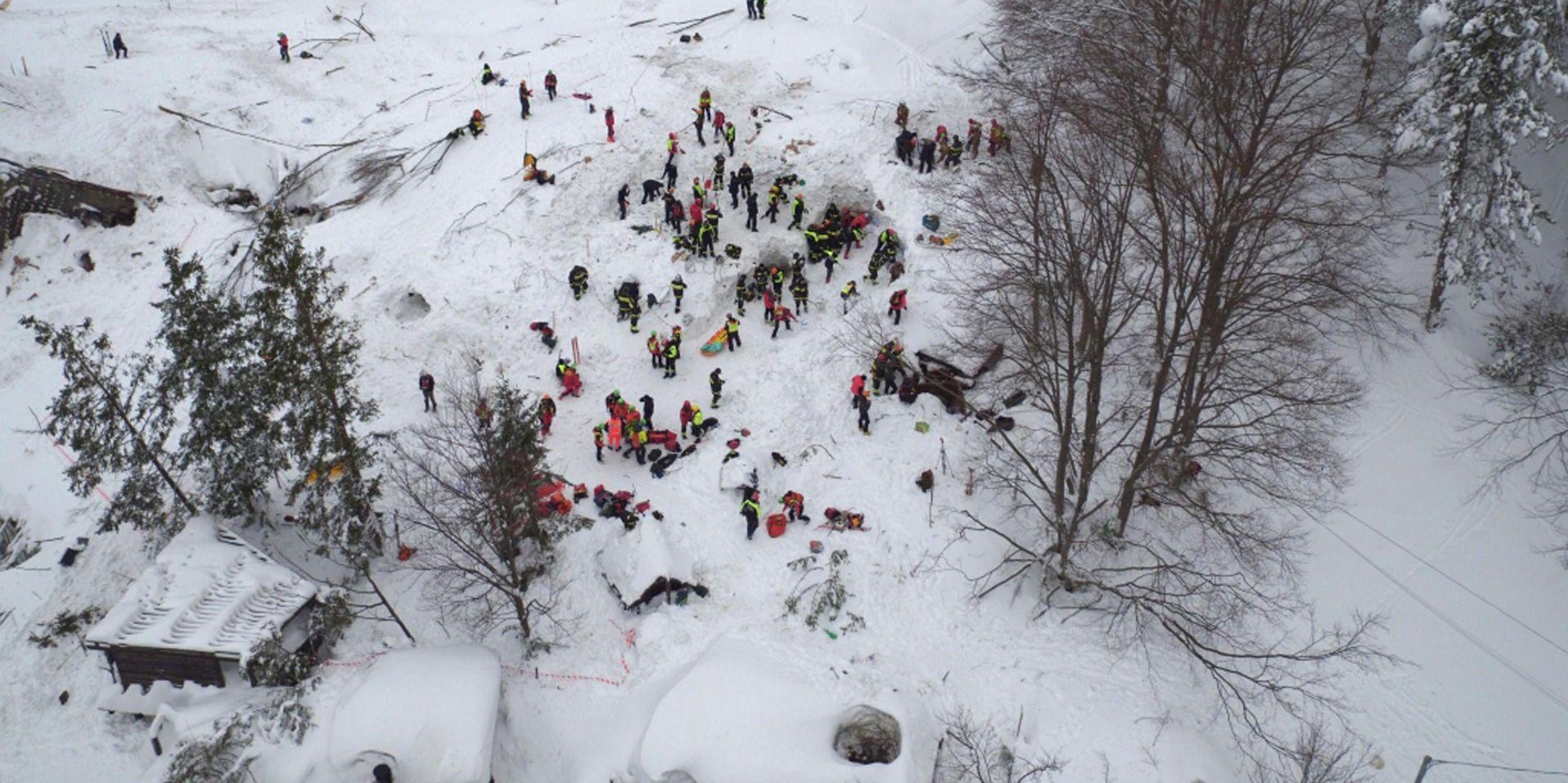 Sva djeca spašena iz ruševina zatrpanog hotela u Italiji