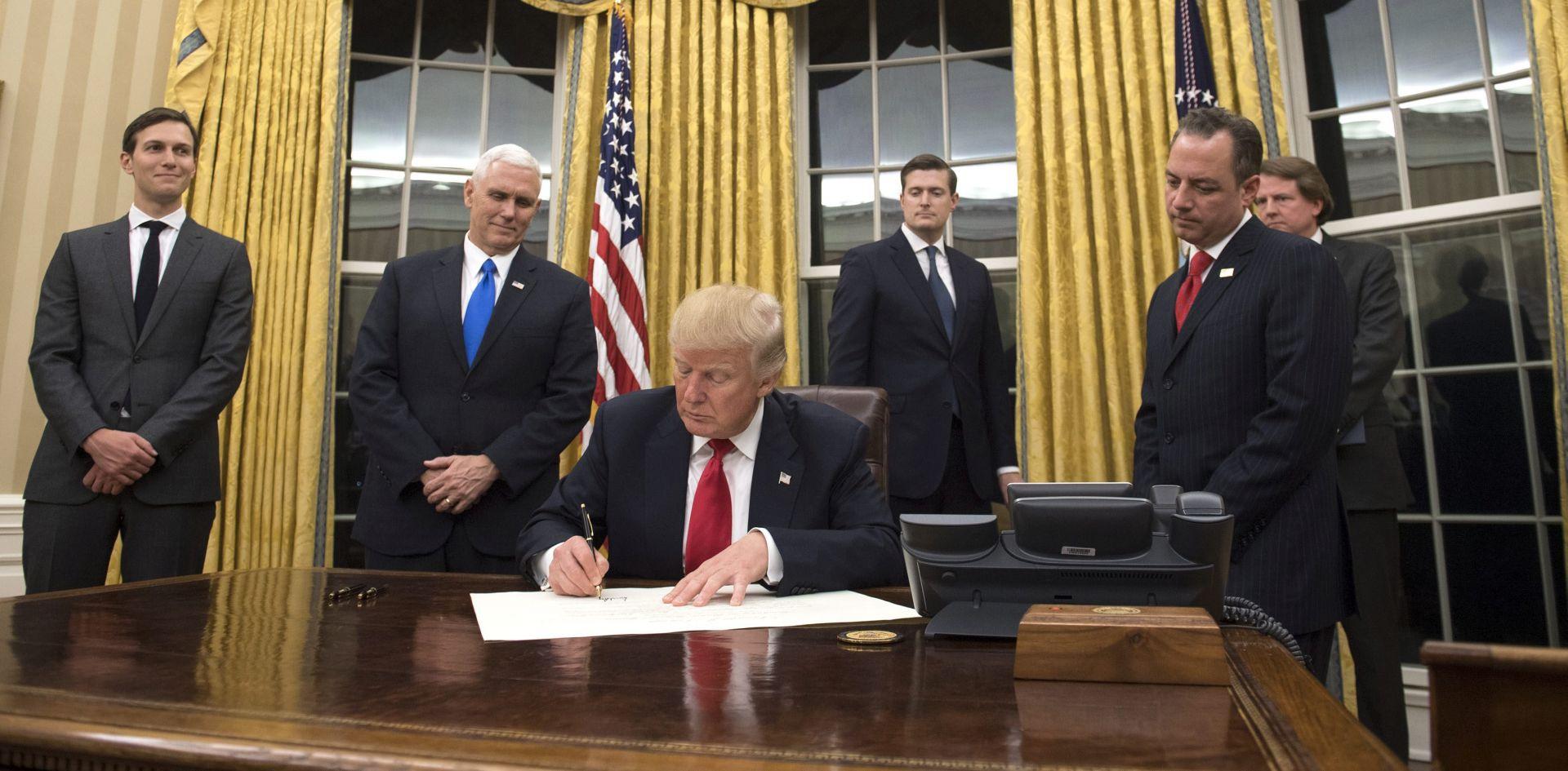 Trump svojim prvim potezom želi minimalizirati učinke Obamacarea