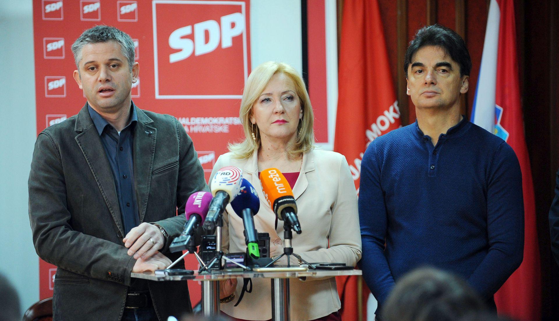 BALDASAR JU ODMAH RAZRIJEŠIO DUŽNOSTI Aida Batarelo kandidatkinja SDP-a za gradonačelnicu Splita