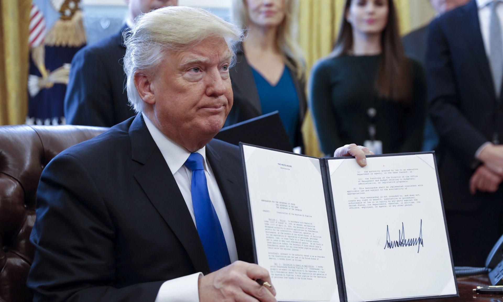 Trump naredio izgradnju zida na granici s Meksikom