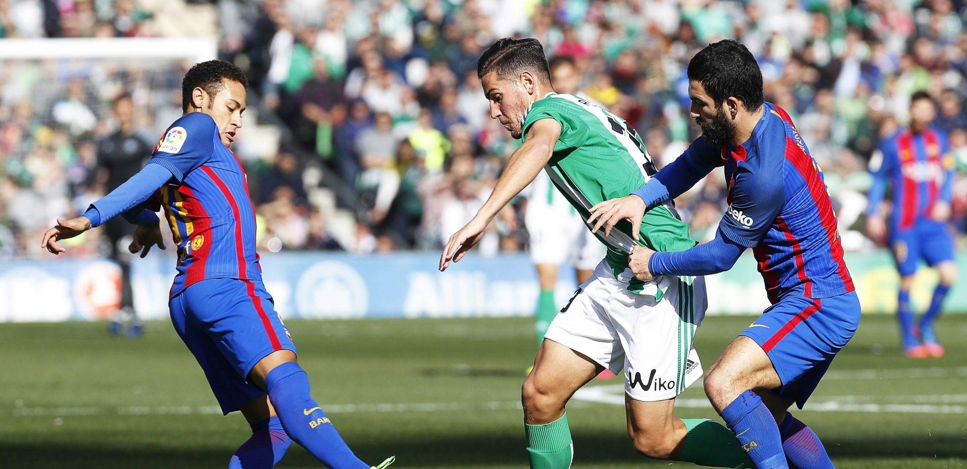 PRIMERA Suarez u 90. minuti spasio bod Barcelone protiv Betisa