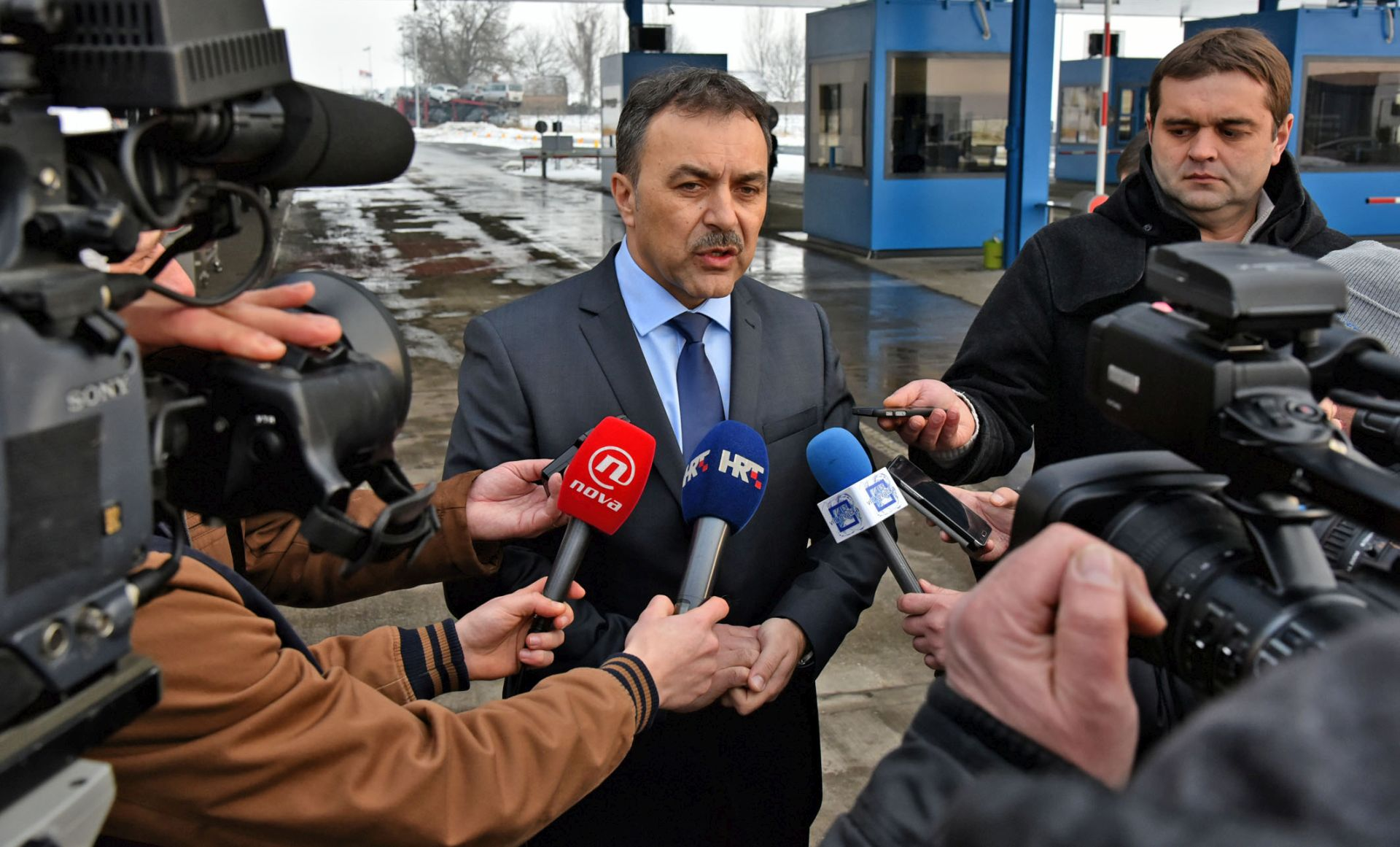 PROBLEM IZBJEGLICA: Ministar Orepić sa srbijanskim kolegom o migrantskoj krizi