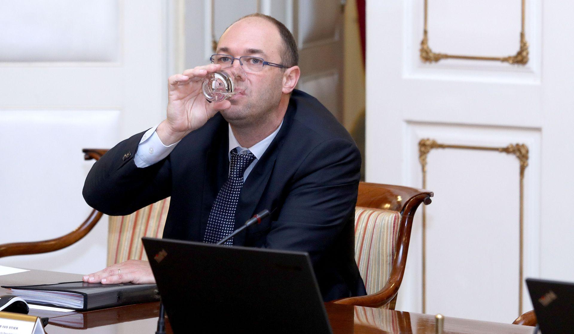 STIER 'Vučićev izaslanik govori kao Milošević'
