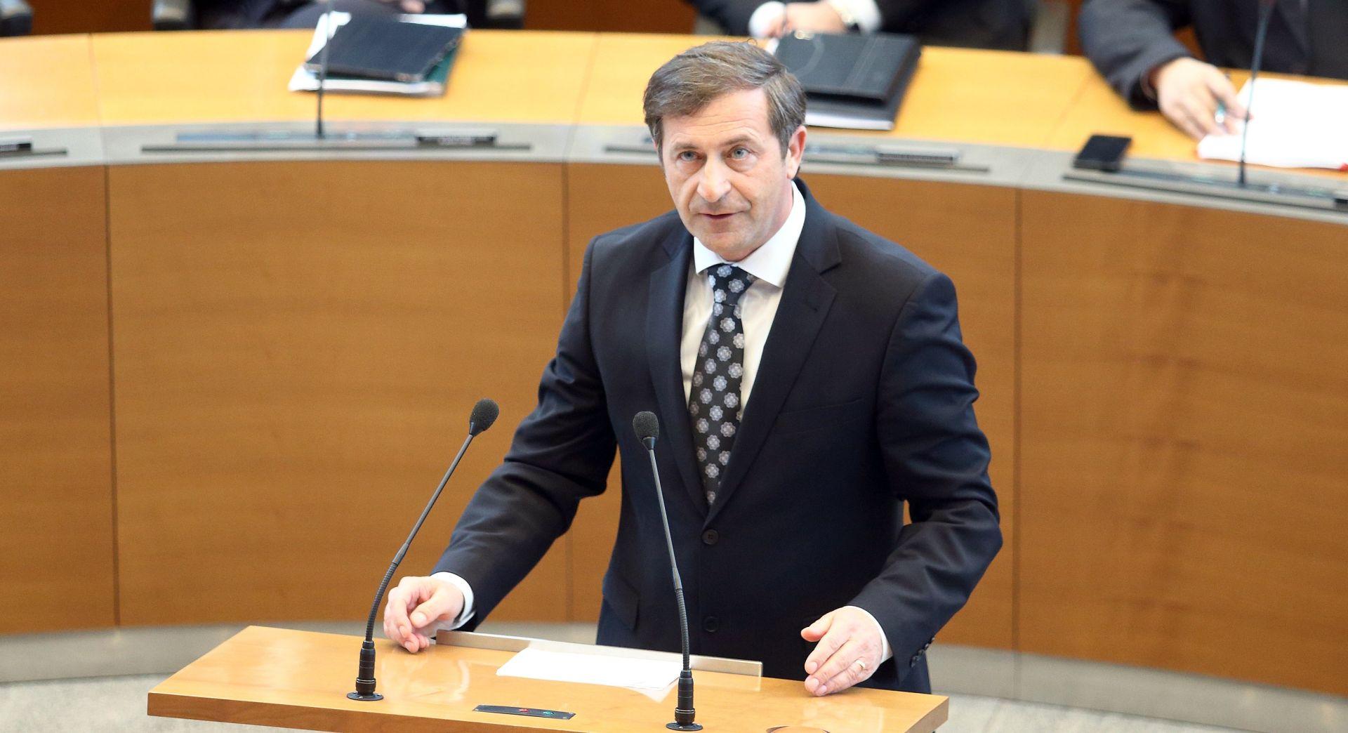 ZBOG ARBITRAŽE Erjavec zaprijetio sabotažom hrvatske turističke sezone