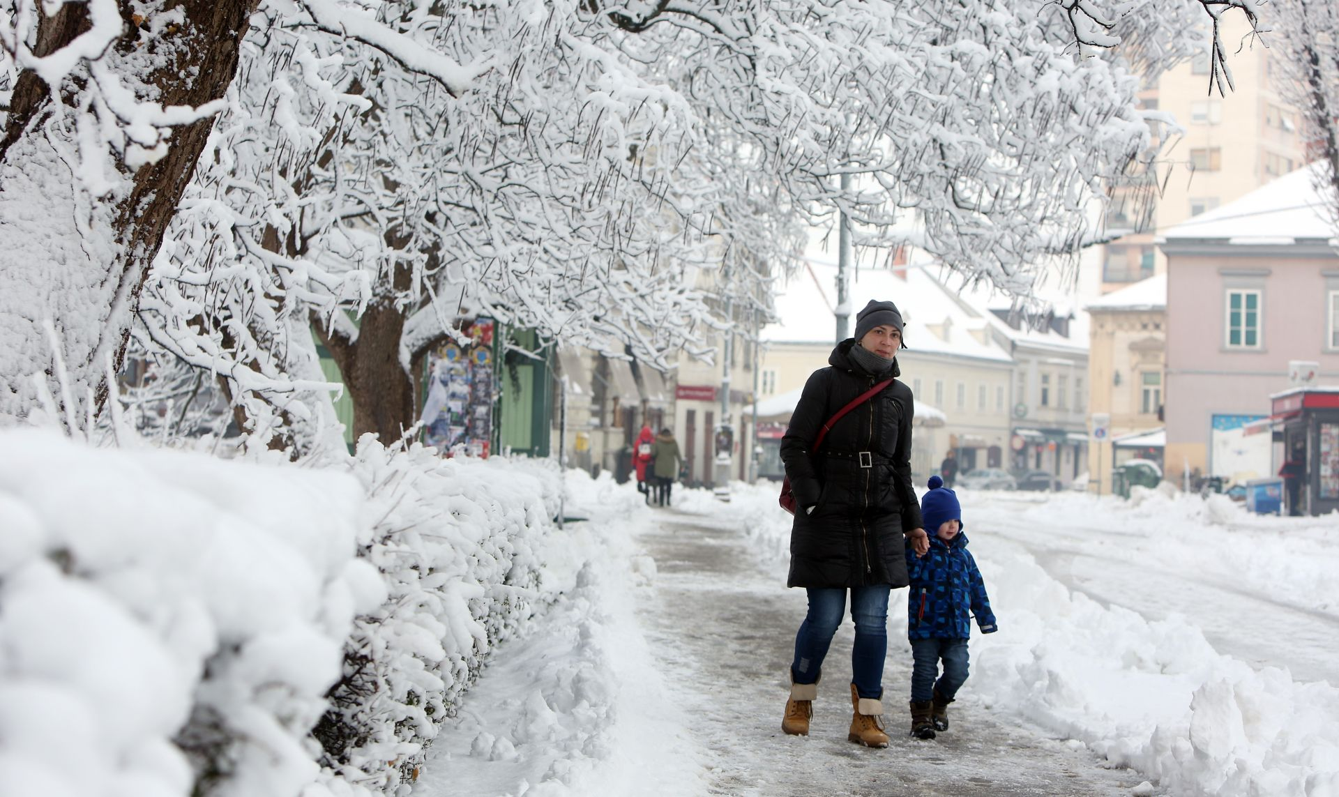 VIDEO: Snježne radosti na snijegu i tvrdome ledu