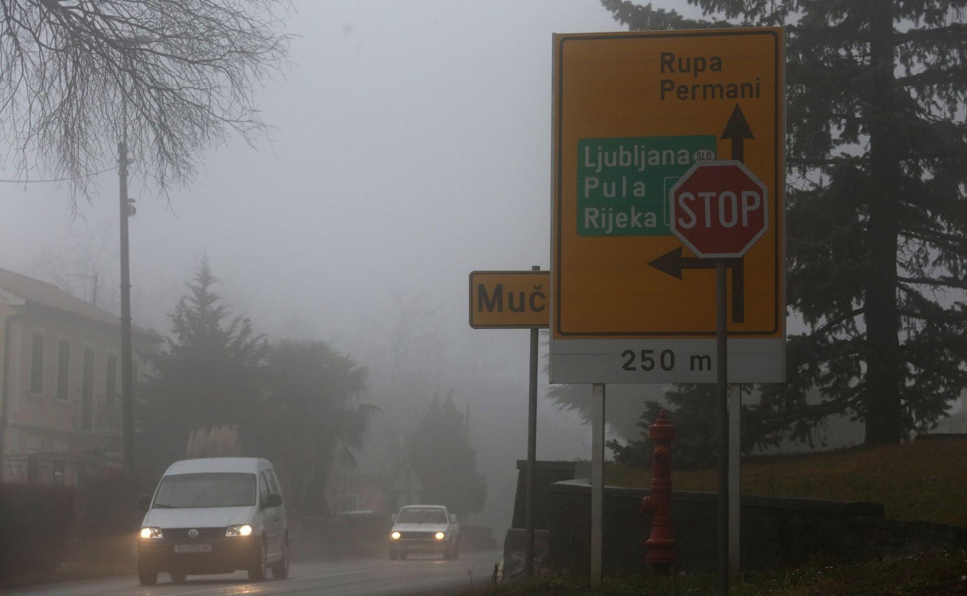 HAK Magla mjestimice smanjuje vidljivost i usporava vožnju