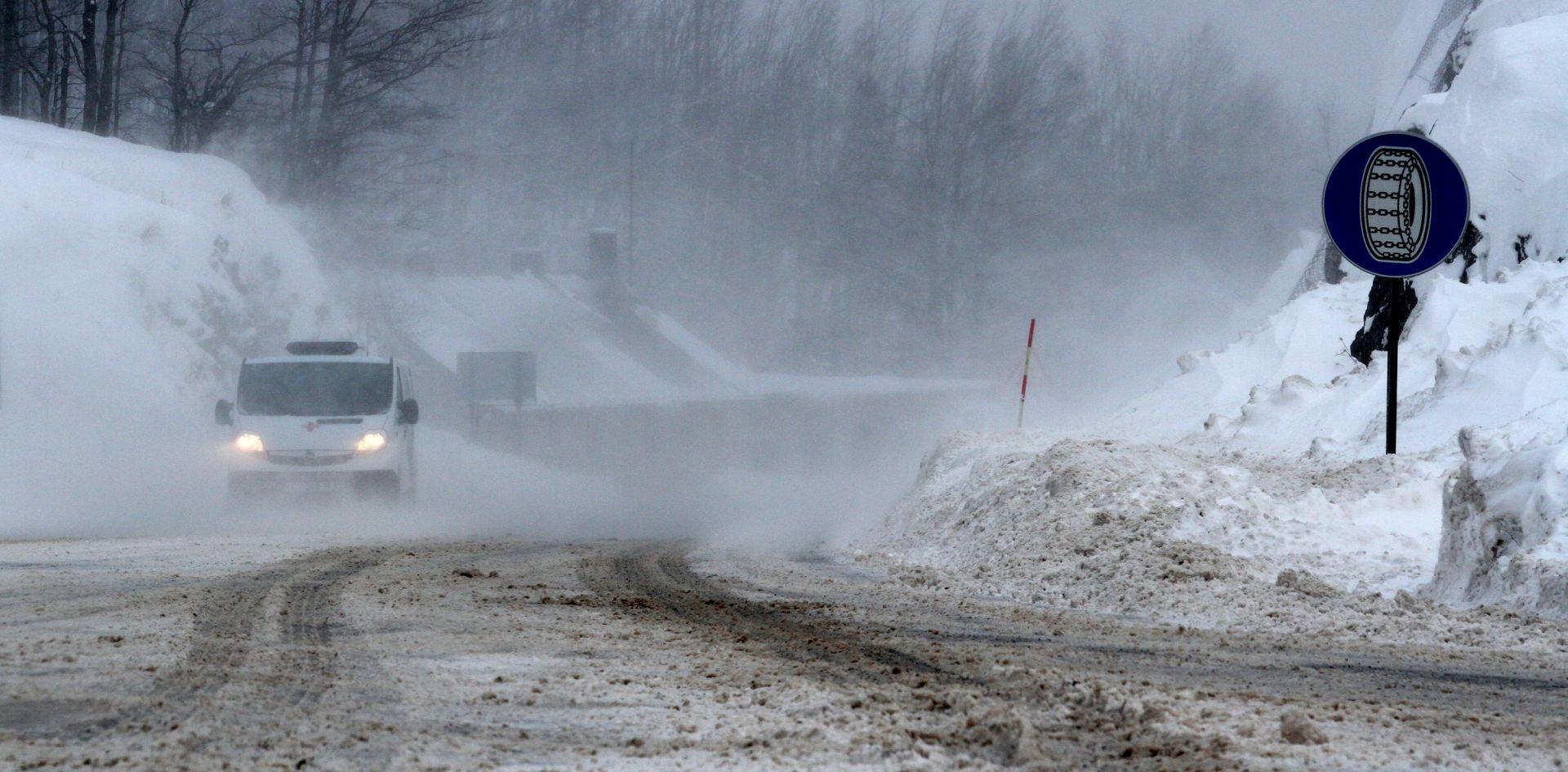 HAK Jak vjetar usporava promet, loši vremenski uvjeti na hrvatskim cestama