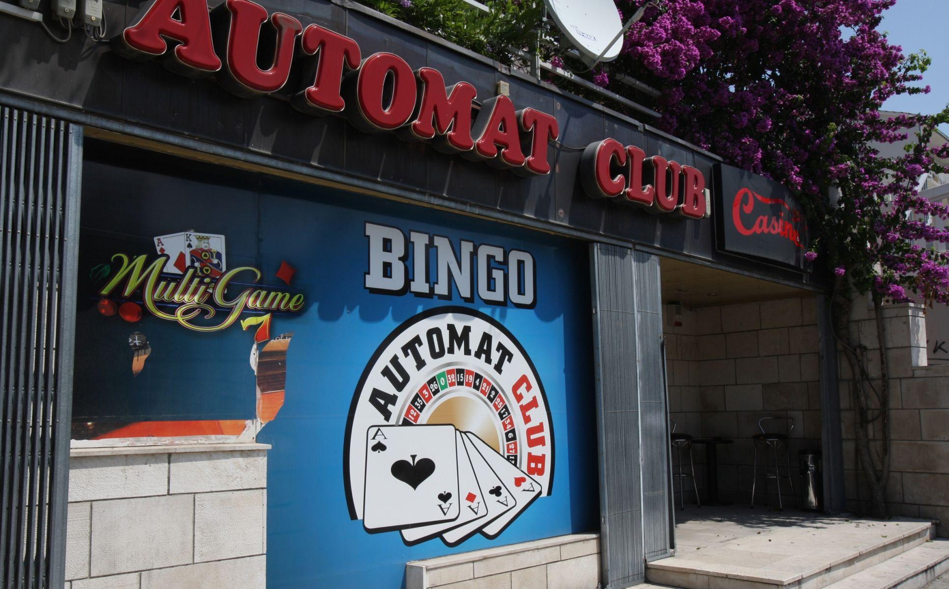 Splitski redar izgubio novac pa izrešetao automat klub