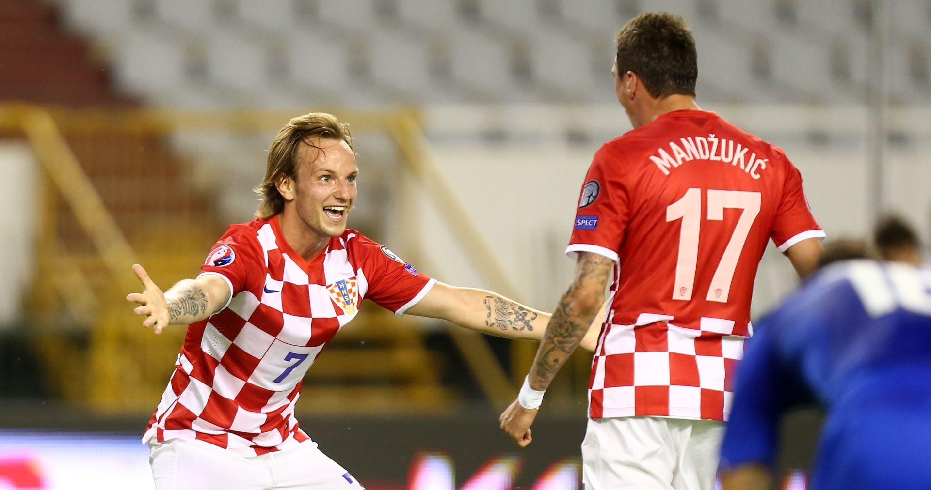 SUN Mandžukić, Pjaca i Alves već mjesecima preko WhatsAppa 'mame' Rakitića u Juventus