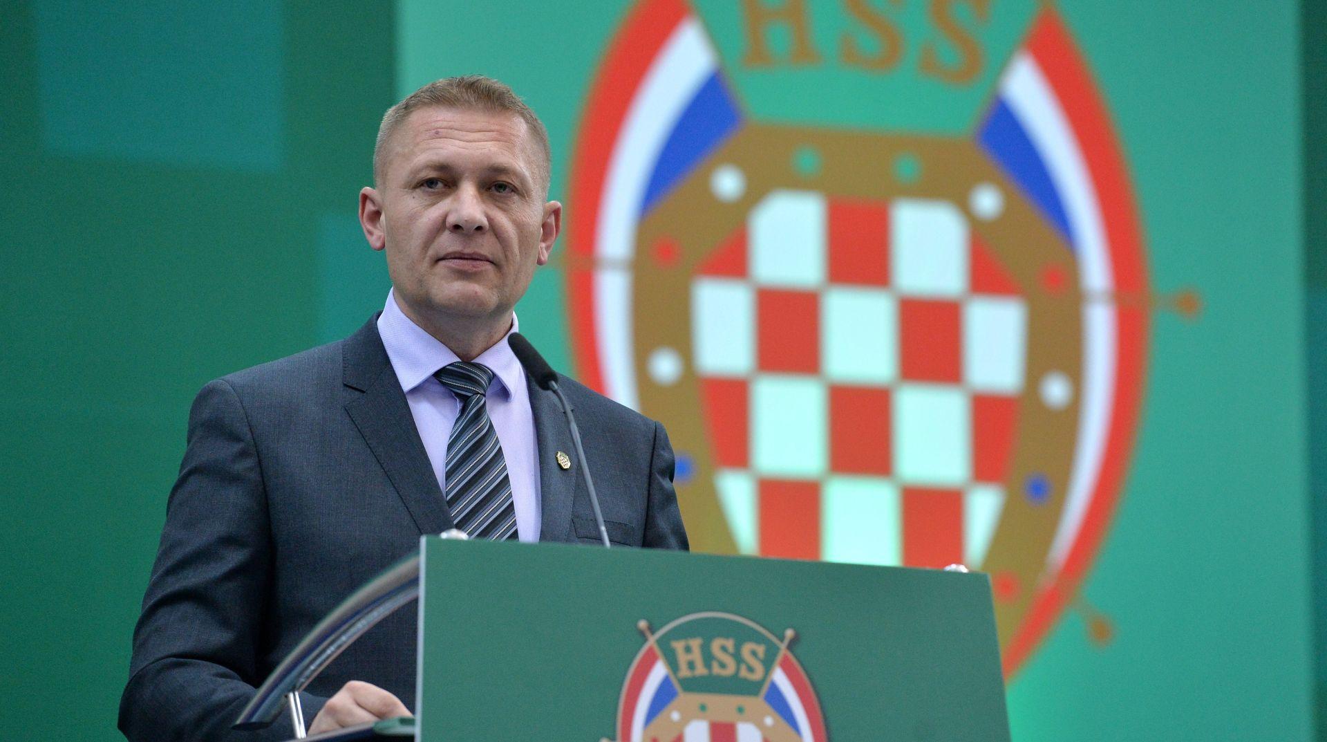 NITI JEDAN GLAS PROTIV Krešo Beljak ponovno izabran za predsjednika HSS-a