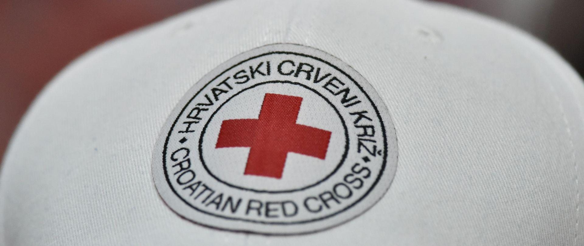 Crveni križ poziva građane da doniraju, a potrebite da dođu po toplu odjeću i obuću