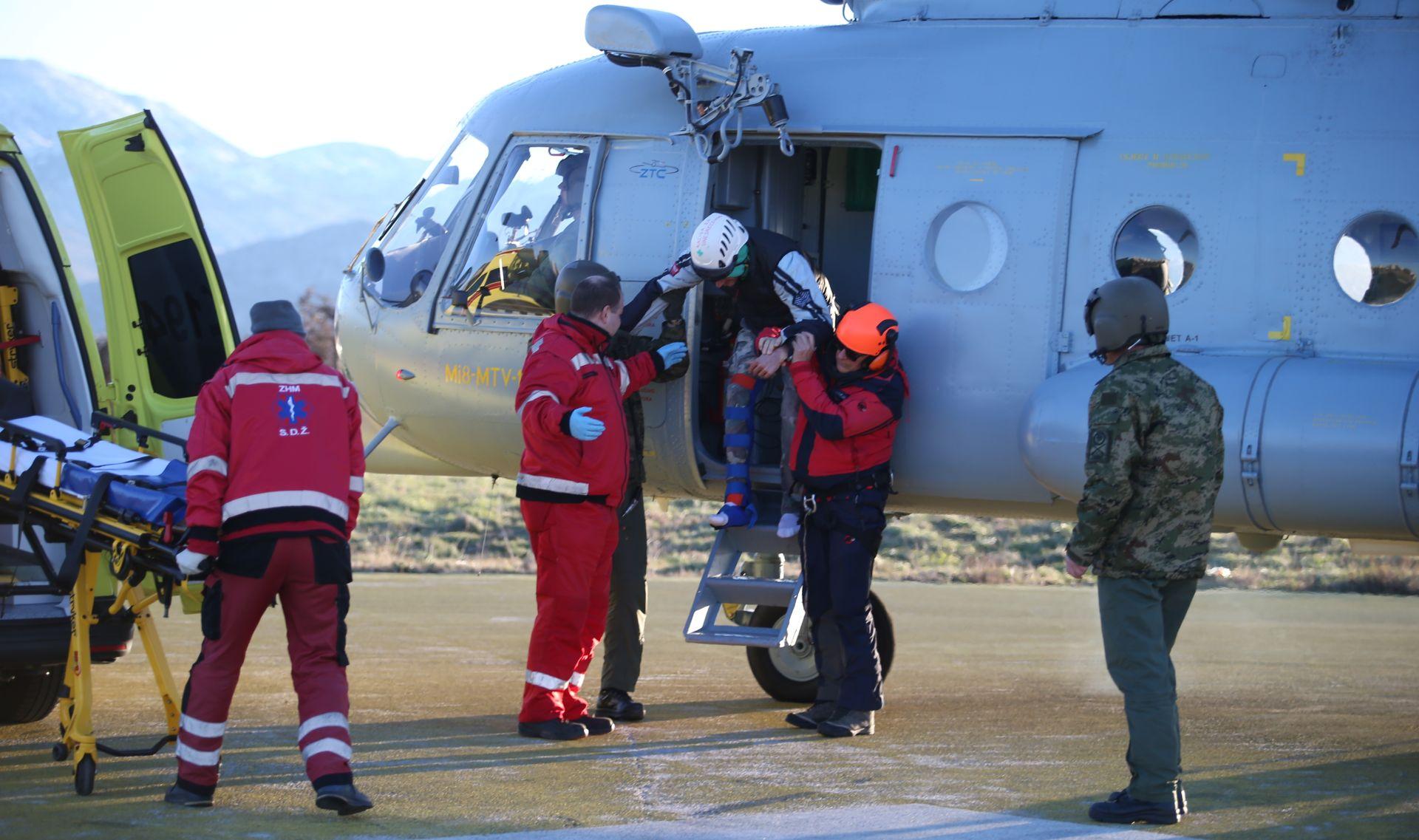 HGSS objavio fotografije noćnog spašavanja na Mosoru