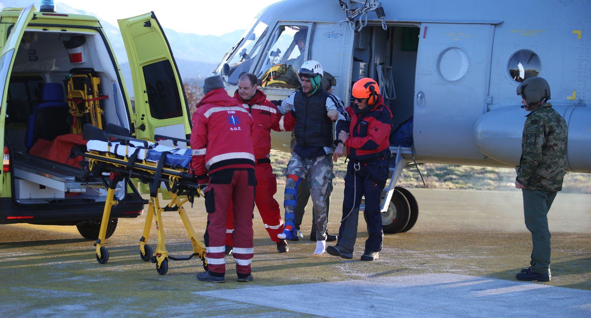 """Helikopter HRZ-a i HGSS izvukli muškarce """"zarobljene"""" na Mosoru"""
