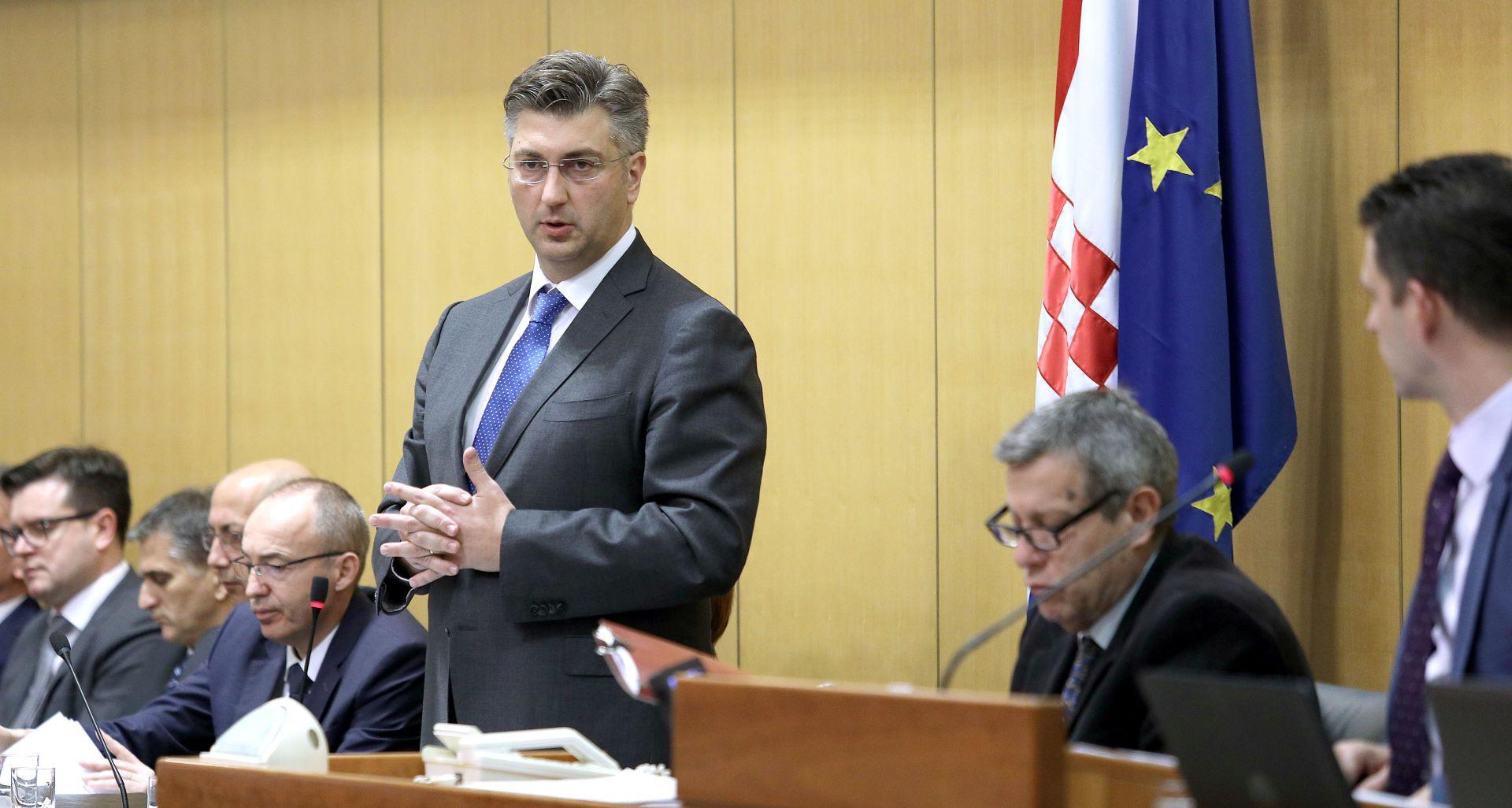 """PLENKOVIĆ BRANIO BARIŠIĆA Tomić: """"Vama odgovaraju što neobrazovaniji građani jer su uglavnom takvi vaši glasači"""""""
