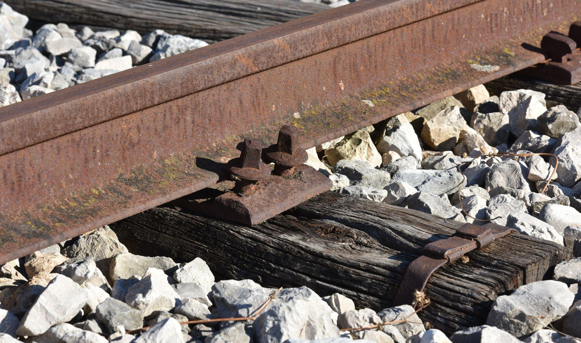 Uz prugu kod Križevaca pronađen mrtav 20-godišnji mladić